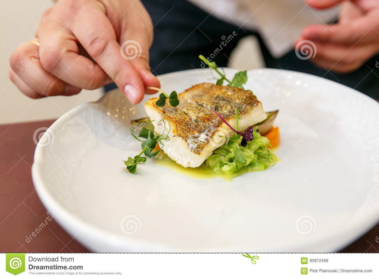 How to cook zander in the oven