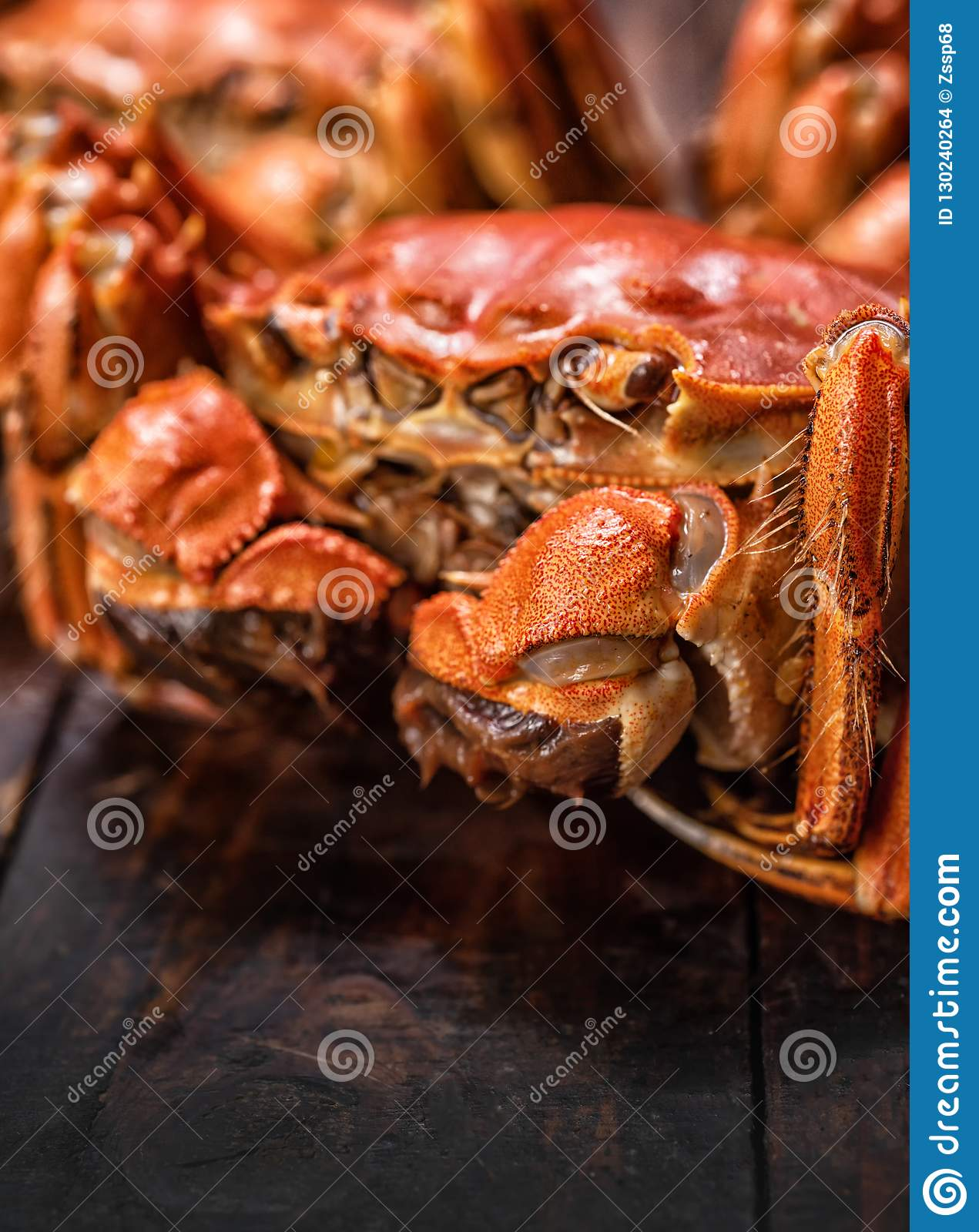 Cooked hairy crabs