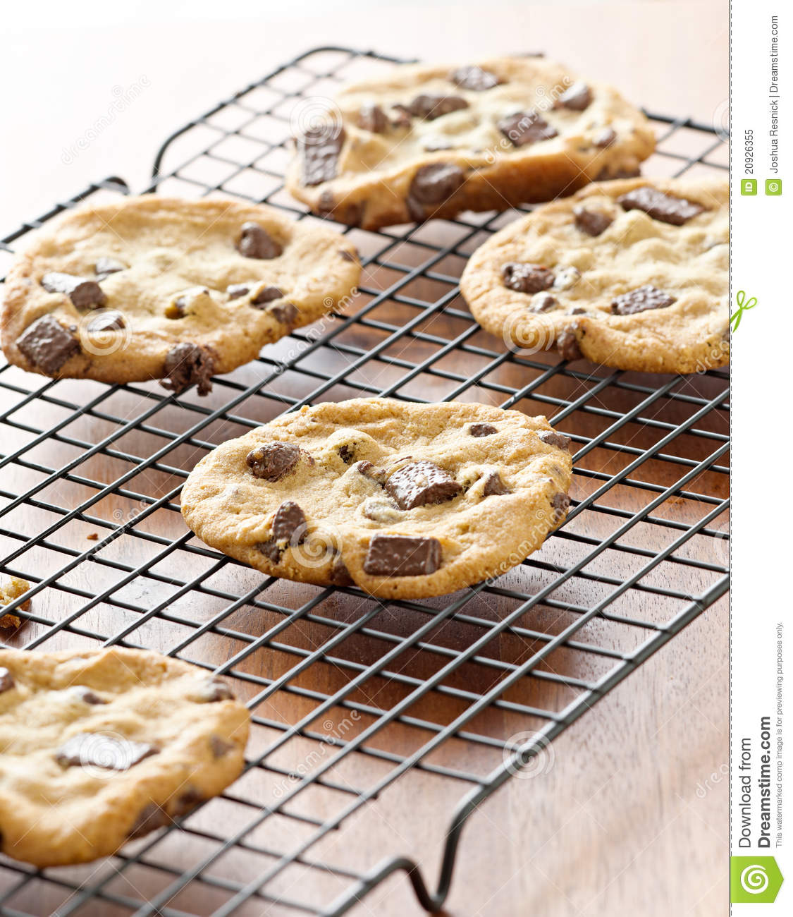 cookies cooling on cooling rack royalty free stock photo