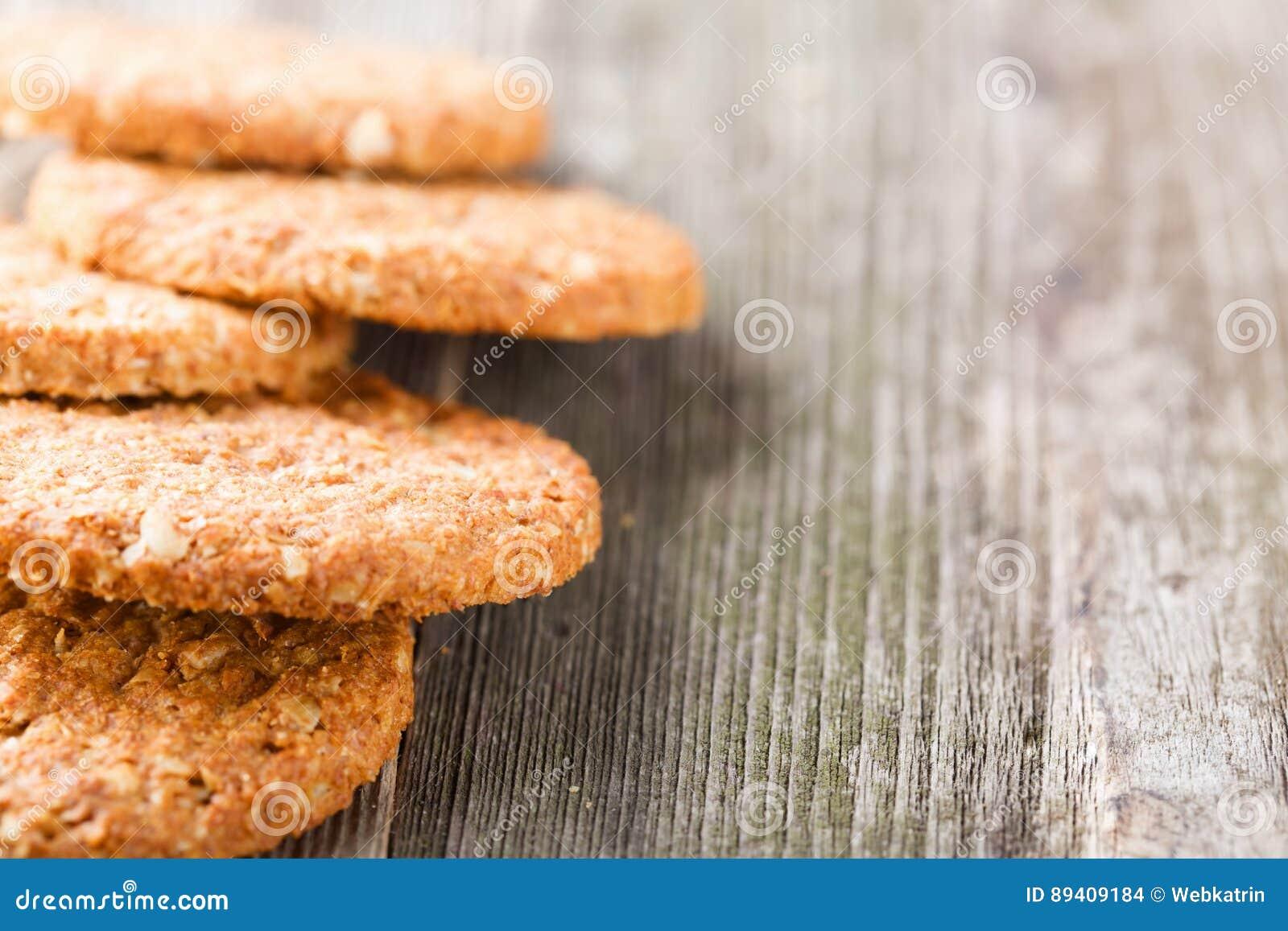 Cookies em uma tabela de madeira velha
