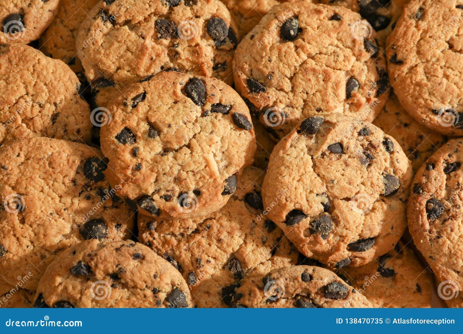 Cookies saborosos dos pedaços de chocolate, vista superior