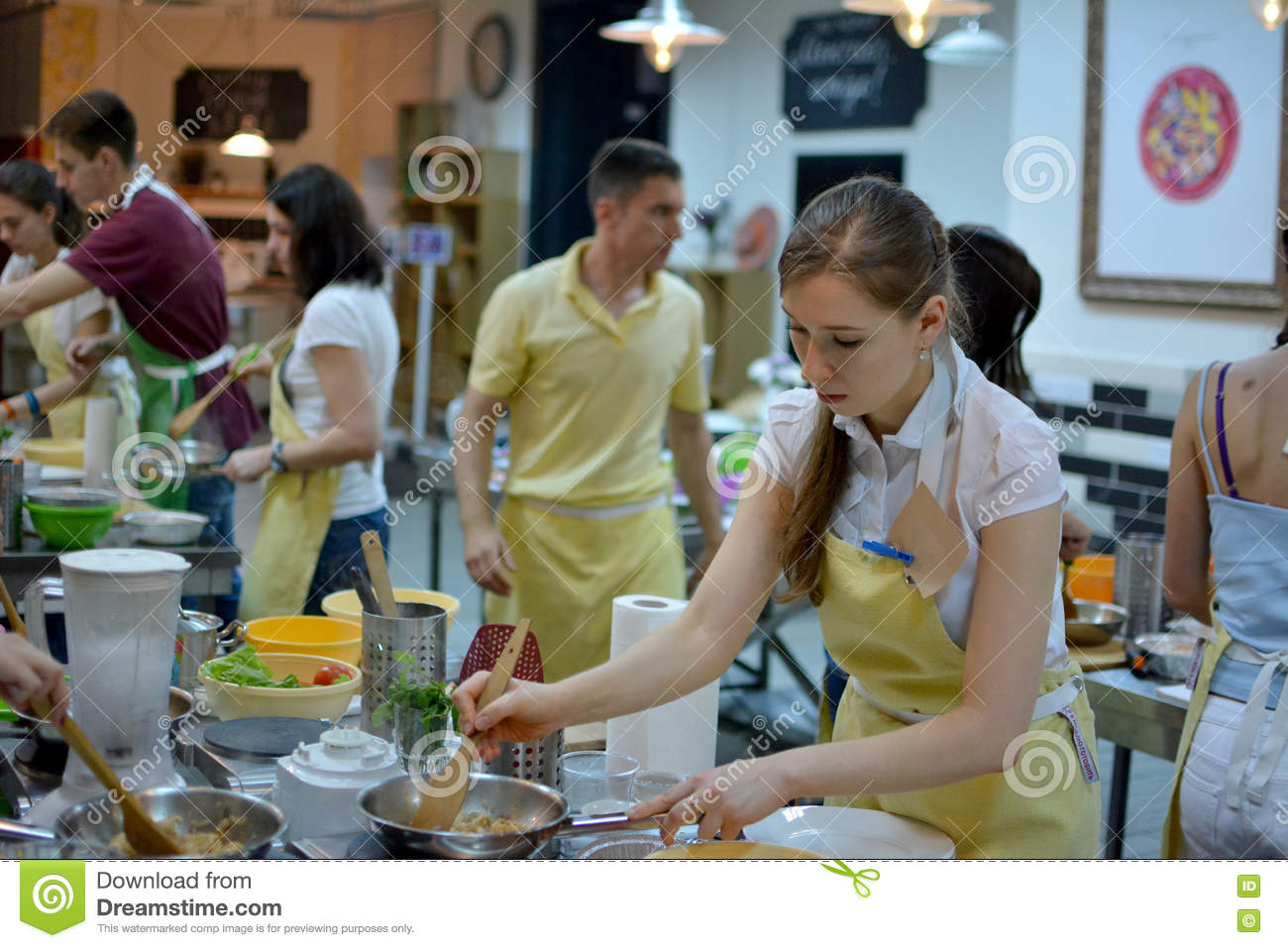 Restaurant London Group Young Professional Women