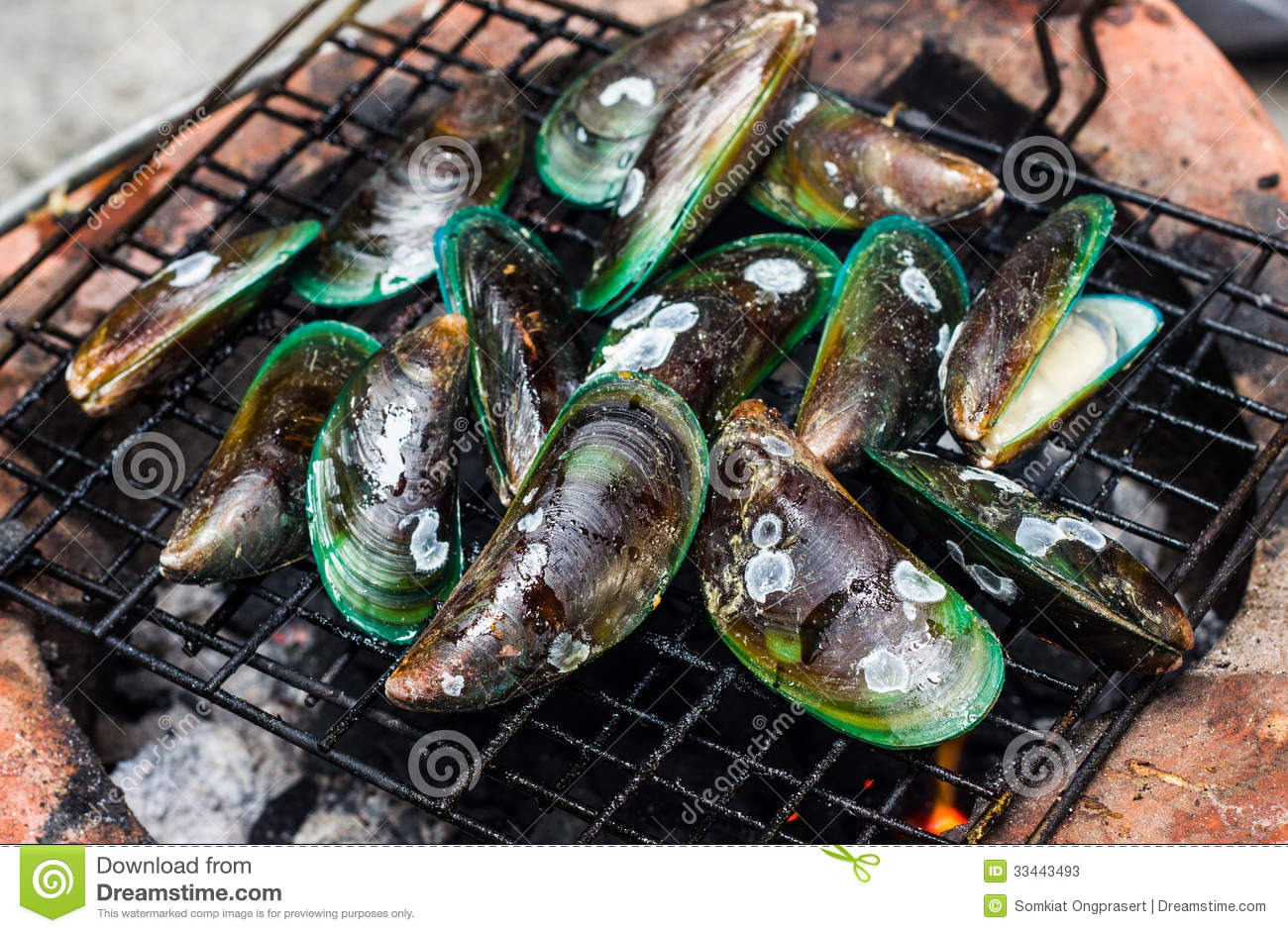 how to prepare mussels to eat