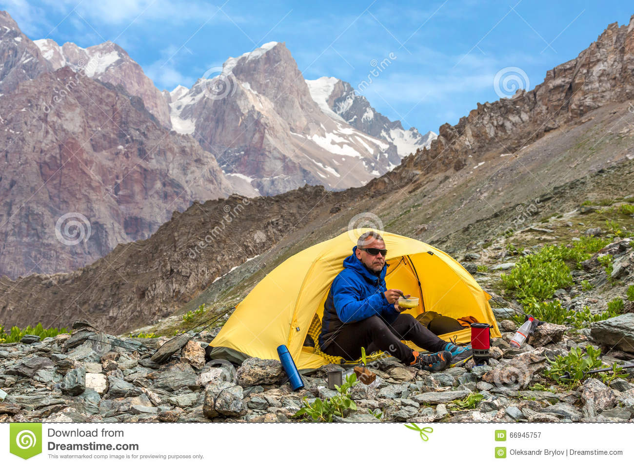 """twin mountain asian single men Help us continue this 19 year legacy at the """"home of the world's largest gay men's adventure  (twin mountain, nh)  gay outdoors is the world's largest."""