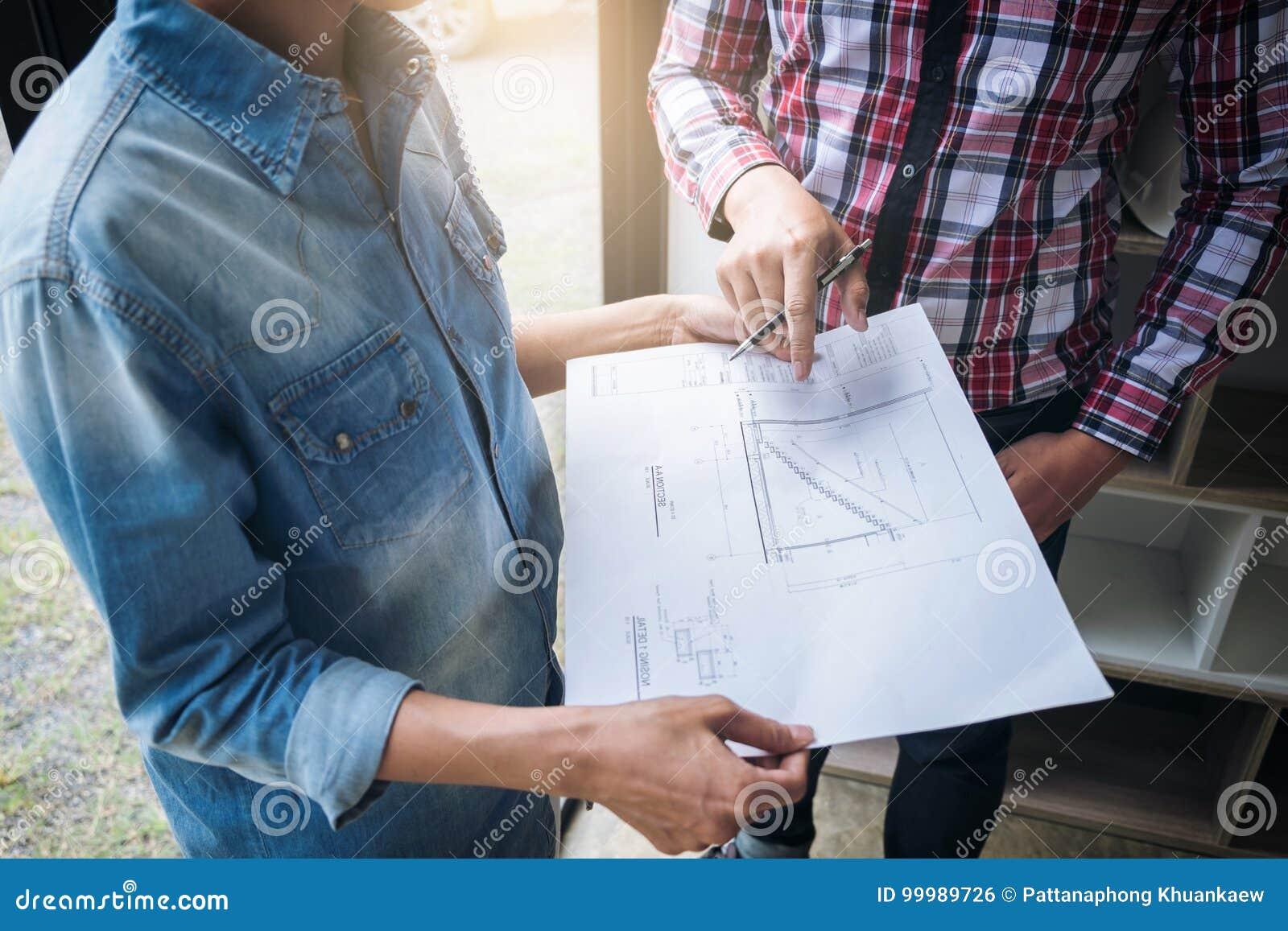 Coordenador Teamwork Meeting da arquitetura, desenho e funcionamento para
