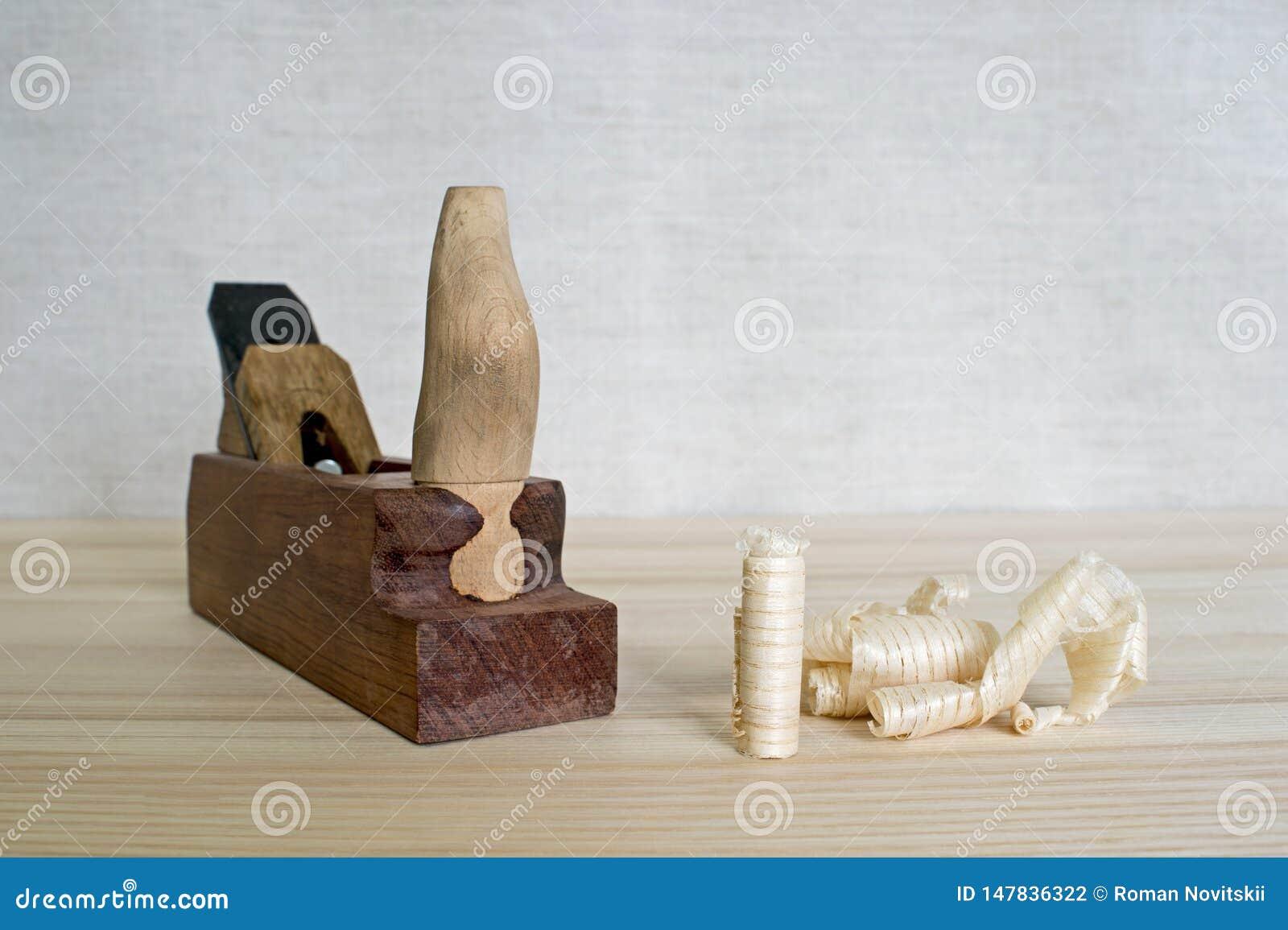 Plan De Travail Diy copeaux après le plan de la cendre en bois sur le fond de la