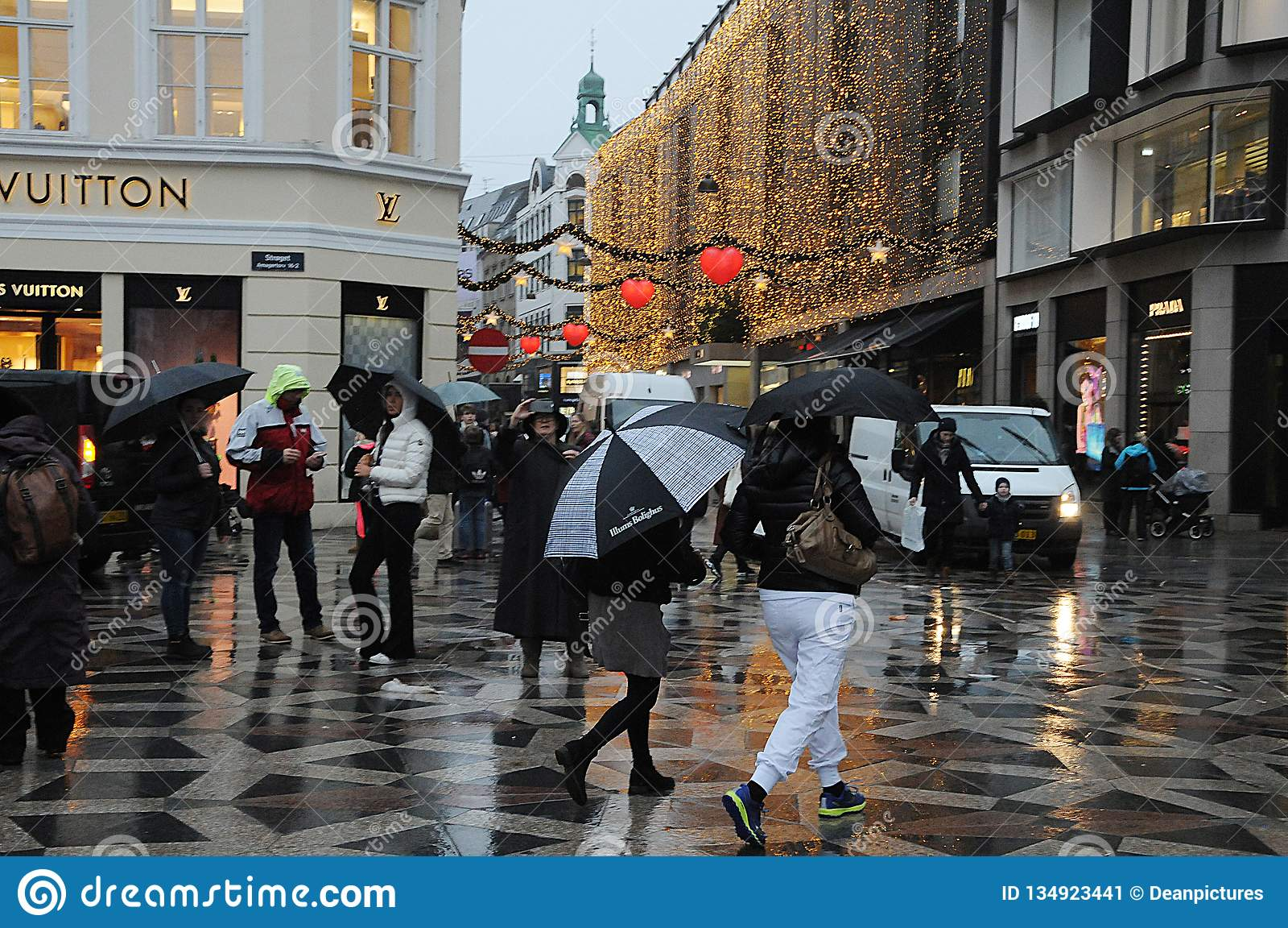 Christms Shoppers Under Embrelass On Rainy Day Editorial Photo