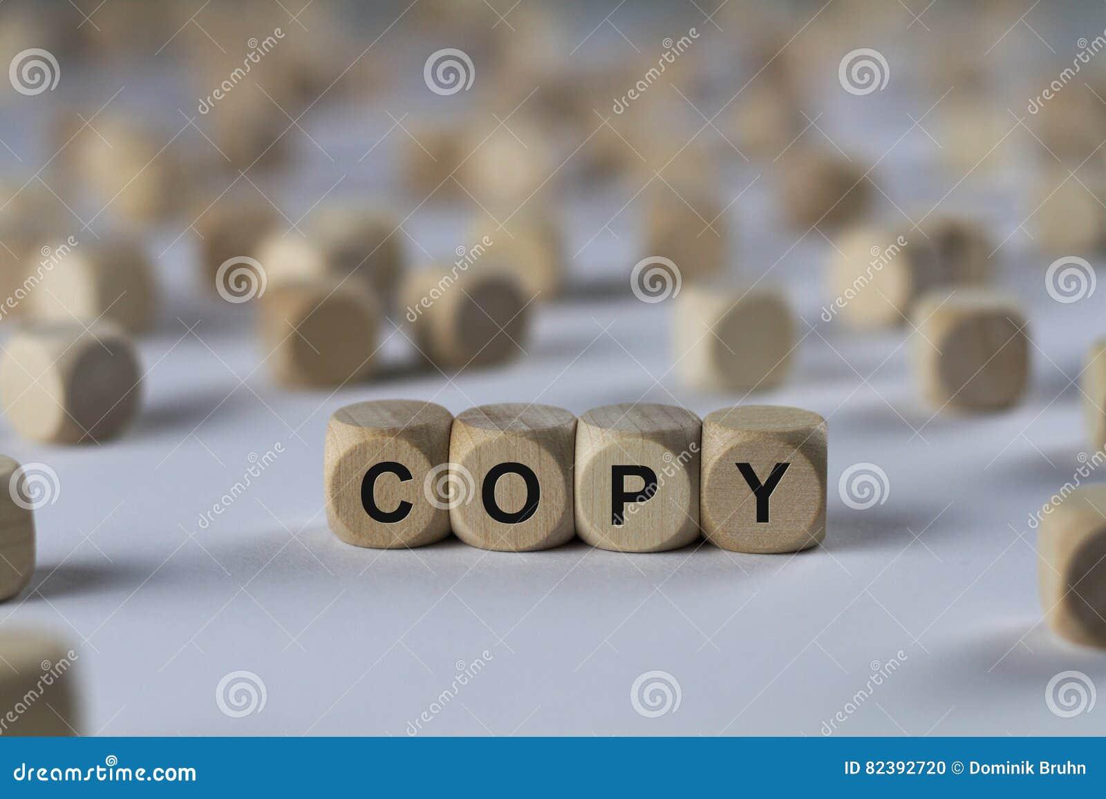 Copie - cube avec des lettres, signe avec les cubes en bois