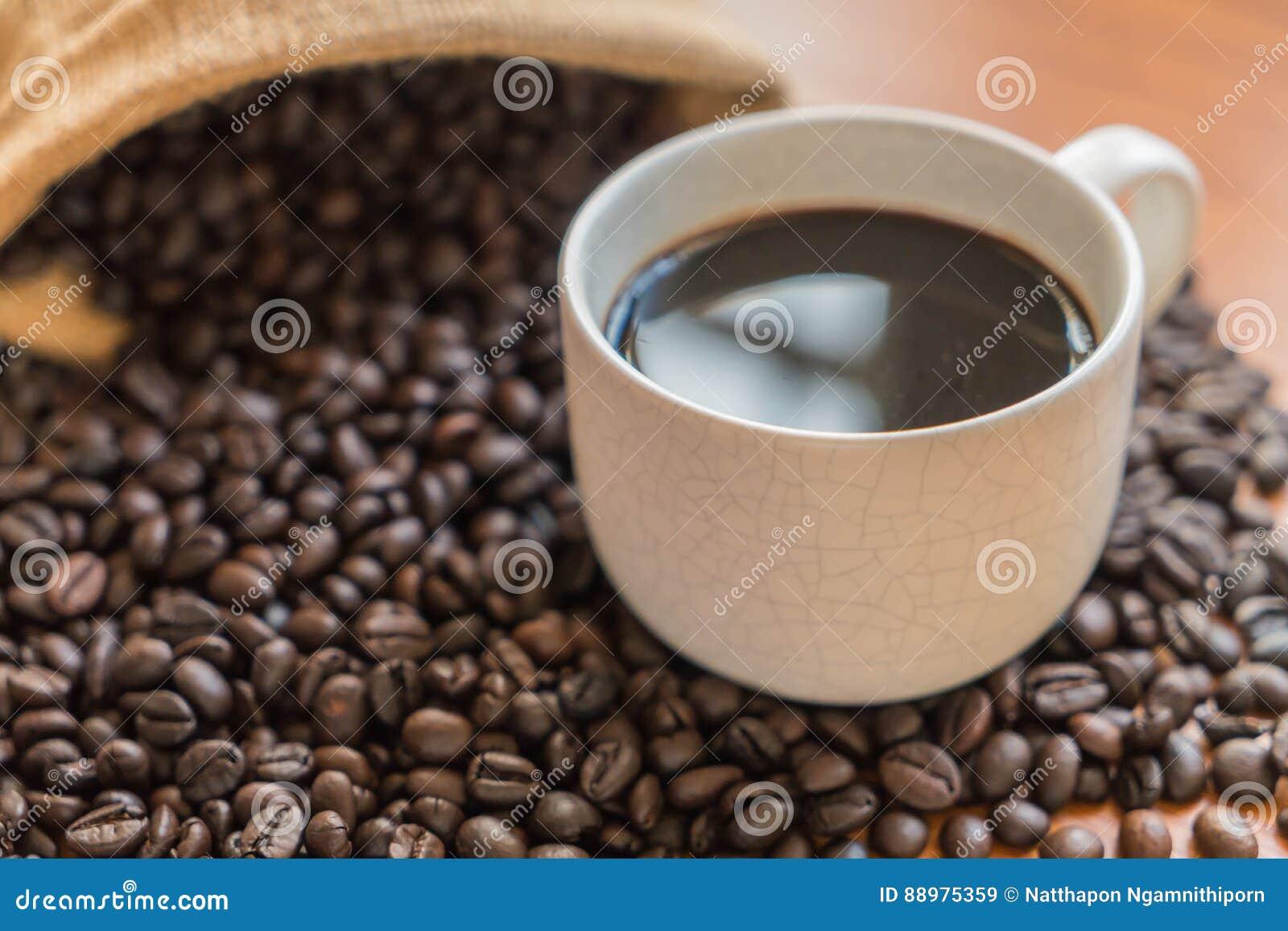 Copo de café preto