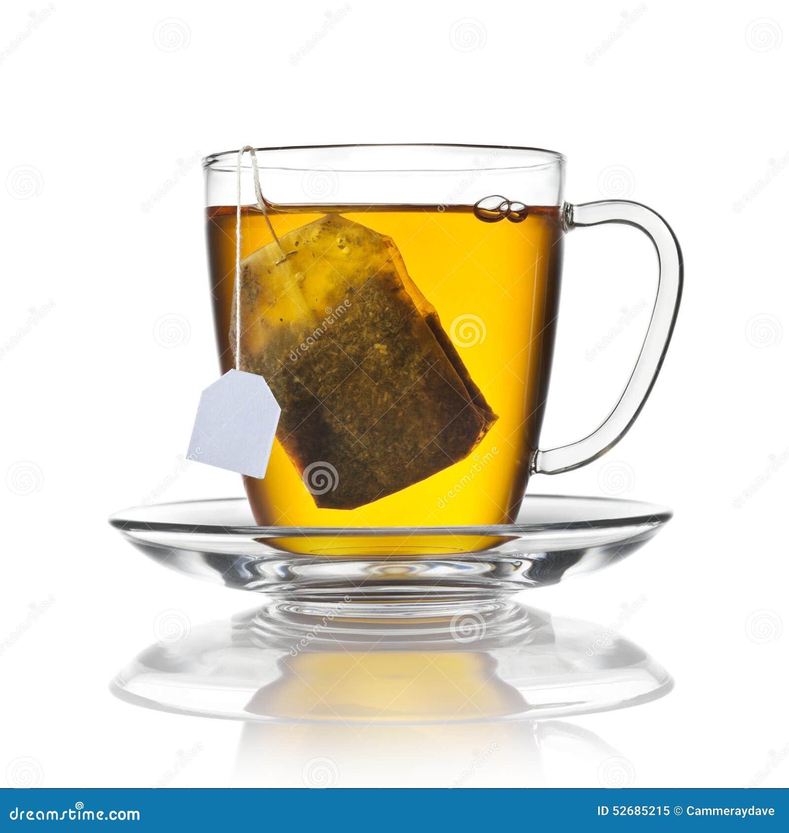 Copo do saquinho de chá isolado