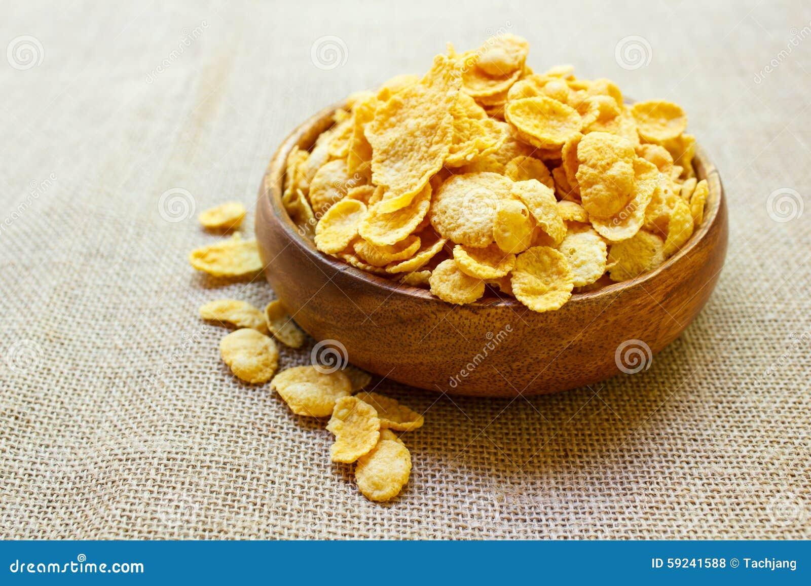 Copos de maíz frescos del cereal