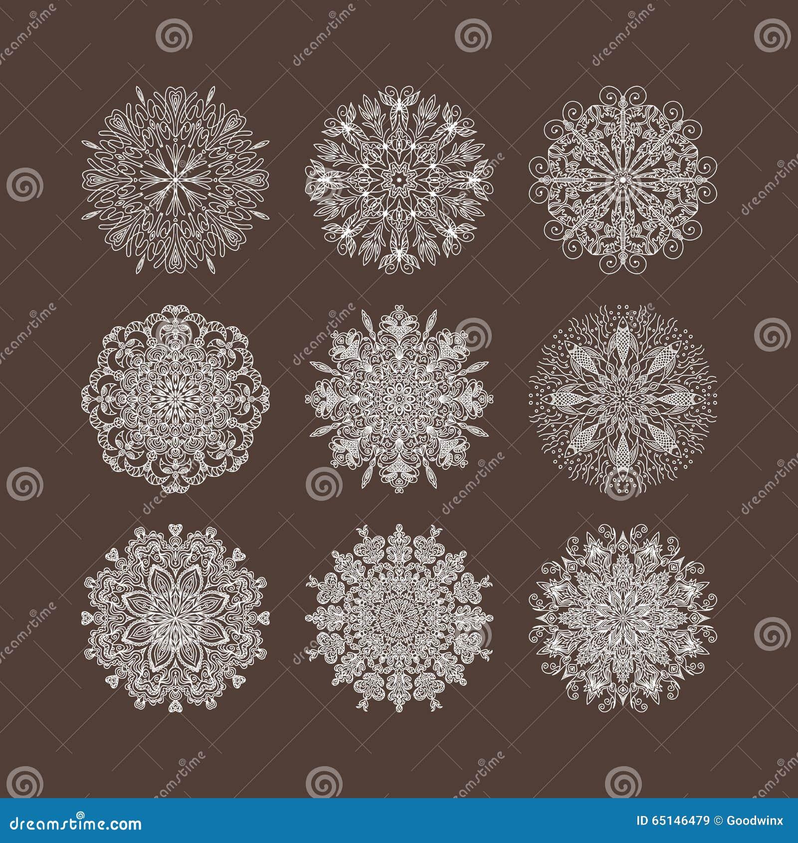 Copos de nieve circulares de las flores de los corazones del modelo del surco