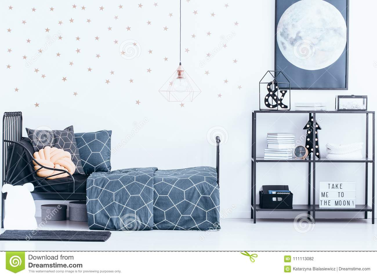 Navy And Gold Bedside Lamps: Gold Wallpaper In Teenager`s Bedroom Stock Photo