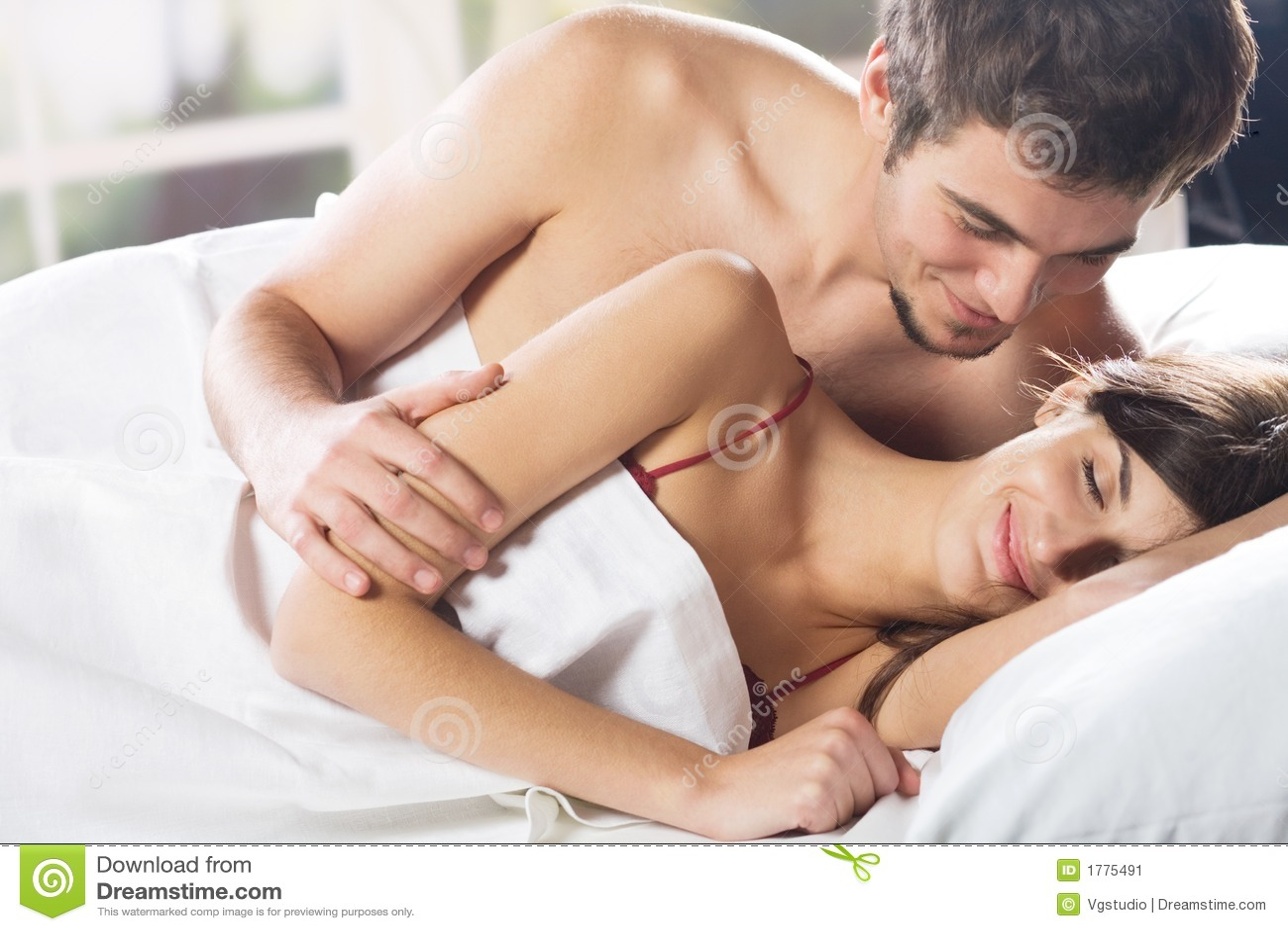 video porno sesso romantico sesso sfrenato a letto