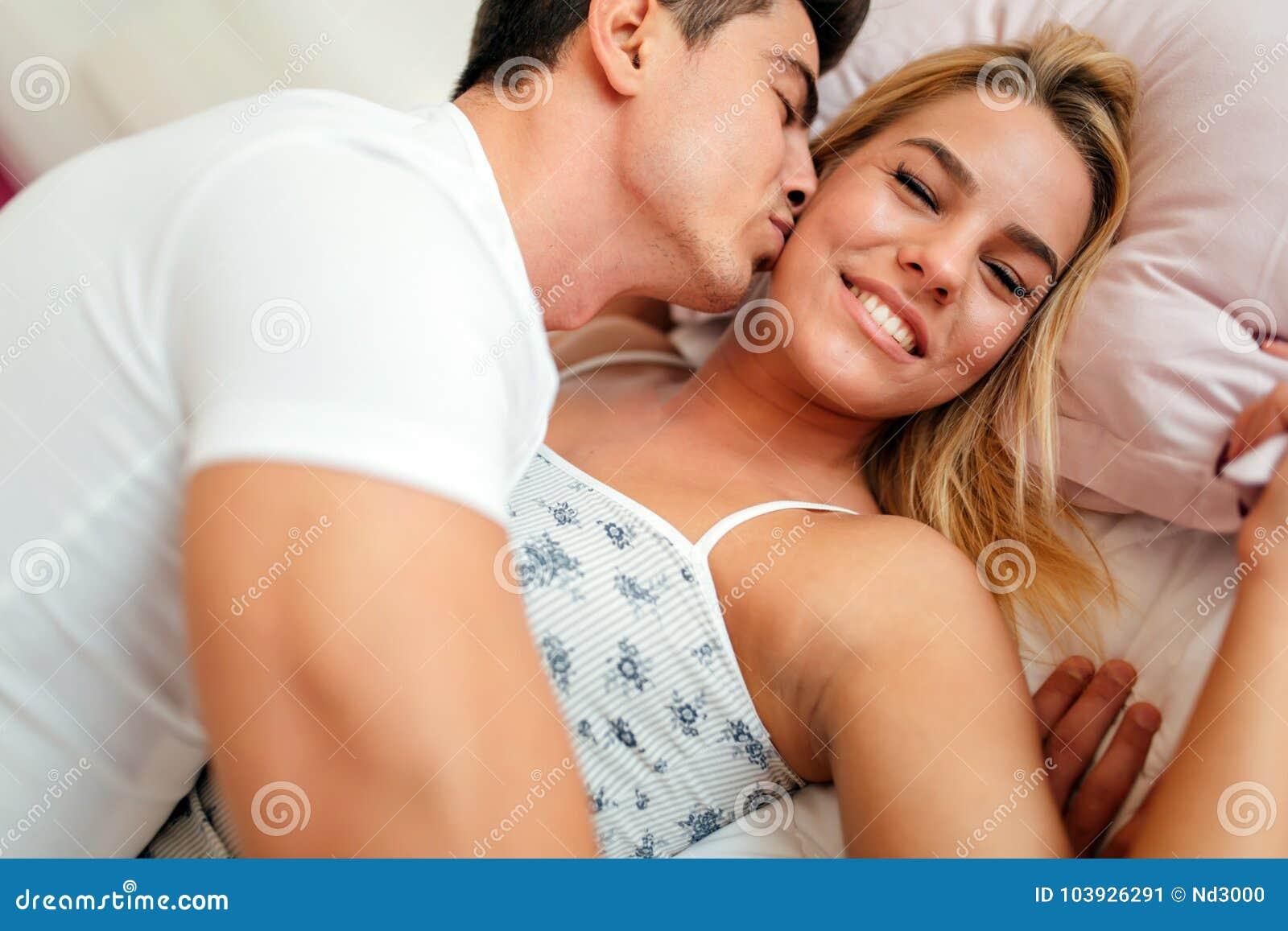 Indiano caucasico dating
