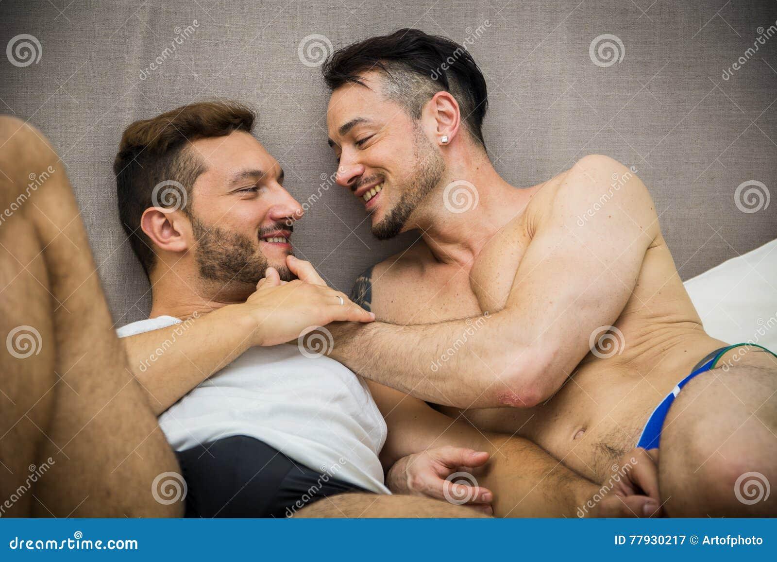 Gay A Letto.Coppie Gay A Letto Immagine Stock Immagine Di Dell Sognare
