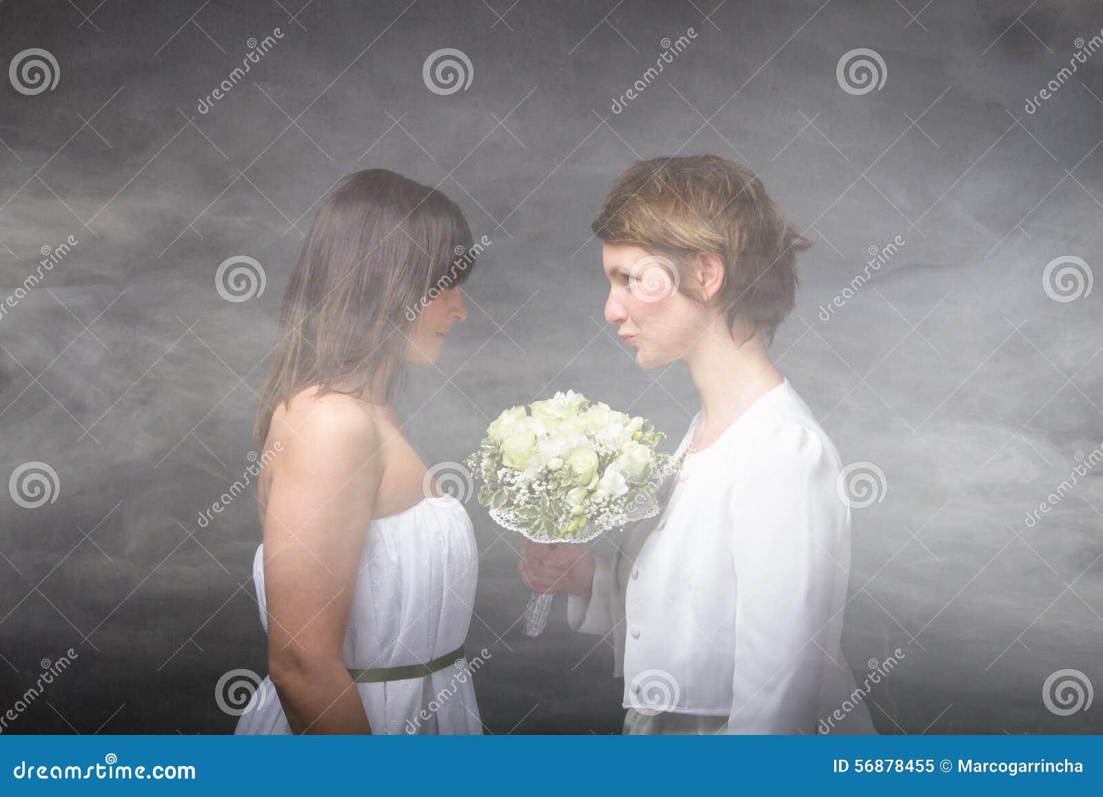 Coppie romantiche in una nuvola