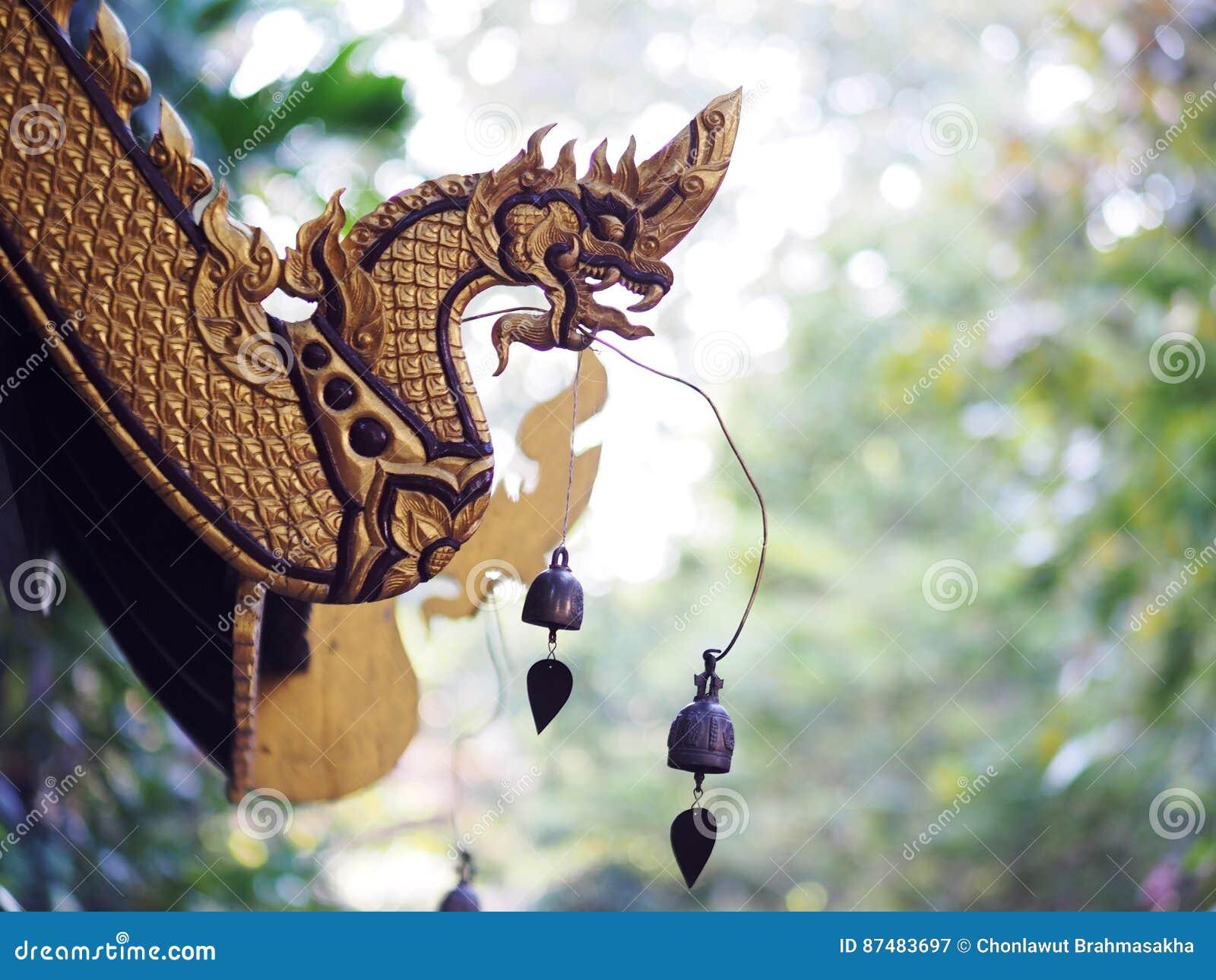 Copra il dettaglio di stile nordico della Tailandia di buddismo dell architettura tailandese storica antica del tempio
