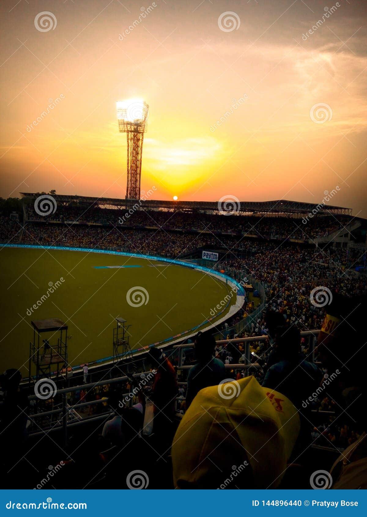 A cor do whistlepodu em KKR& x27; estádio de Eden Garden do homeground de s & x28; Rugido do Lion& x27; s& x29;