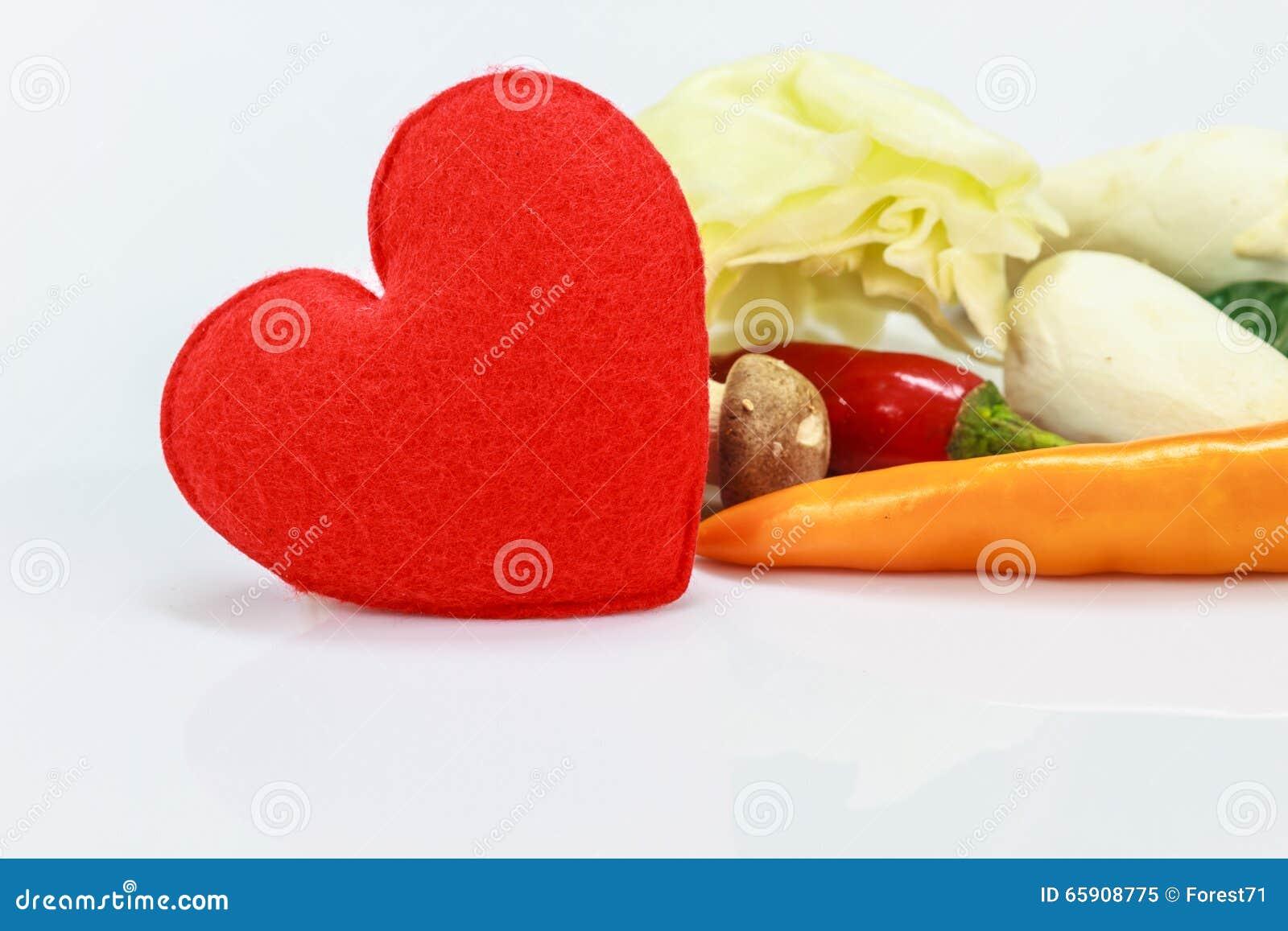 Coração com o legume fresco para cozinhar