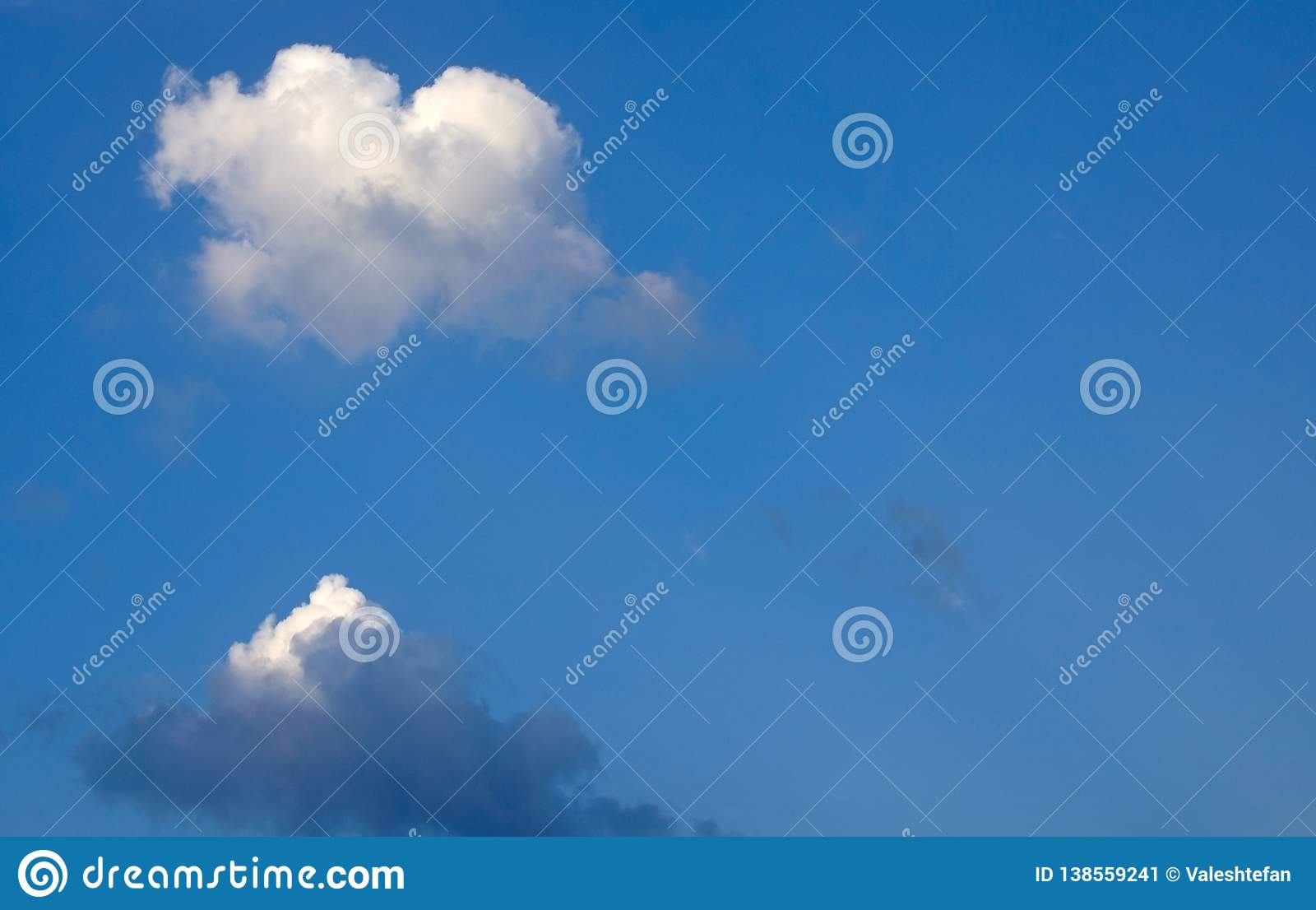 Coração real nuvem dada forma