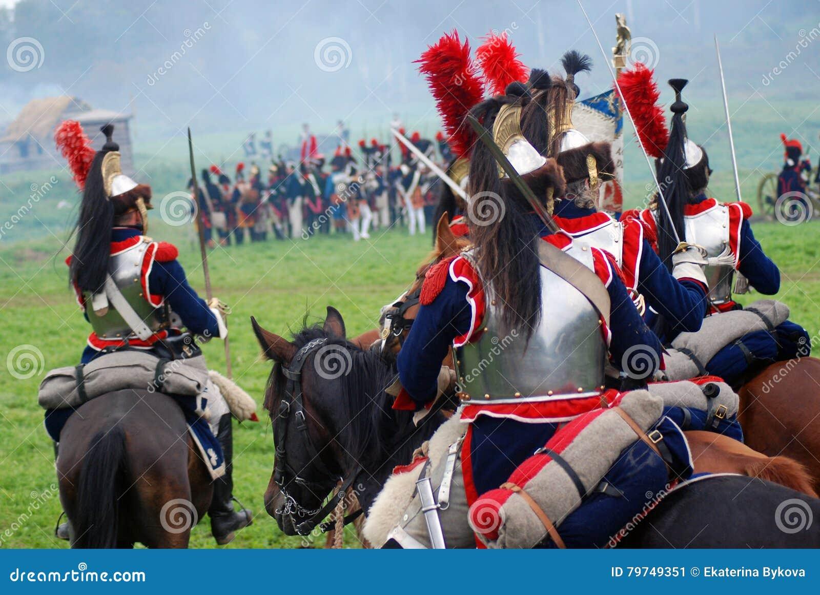 Coraceros en la reconstrucción histórica de la batalla de Borodino en Rusia