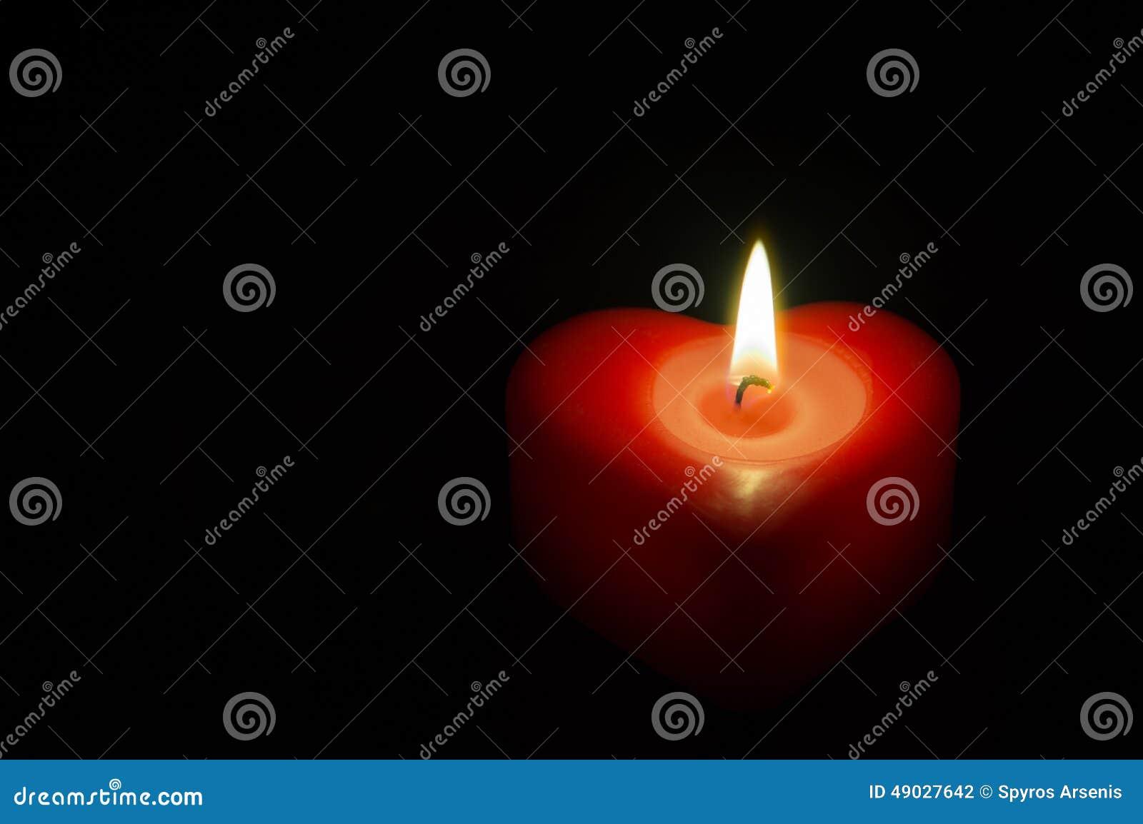 Corazón del rojo de la cera