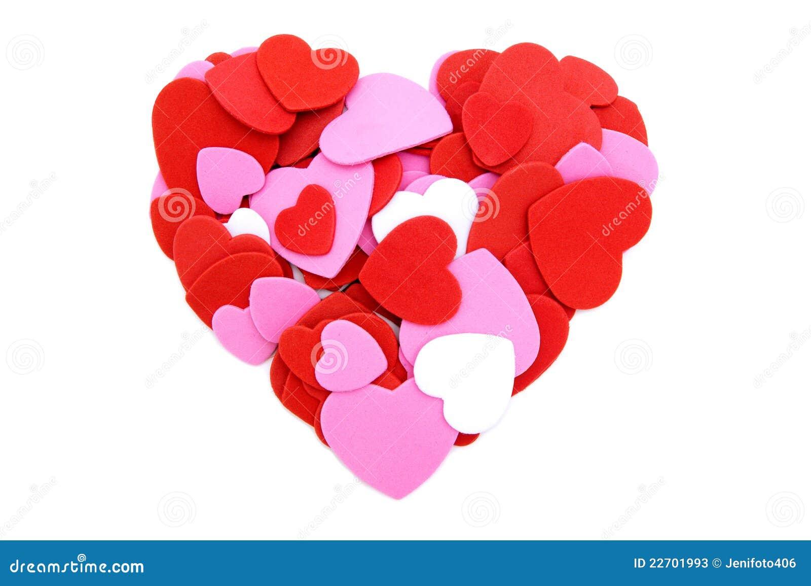 Corazón hecho de confeti de las tarjetas del día de San Valentín