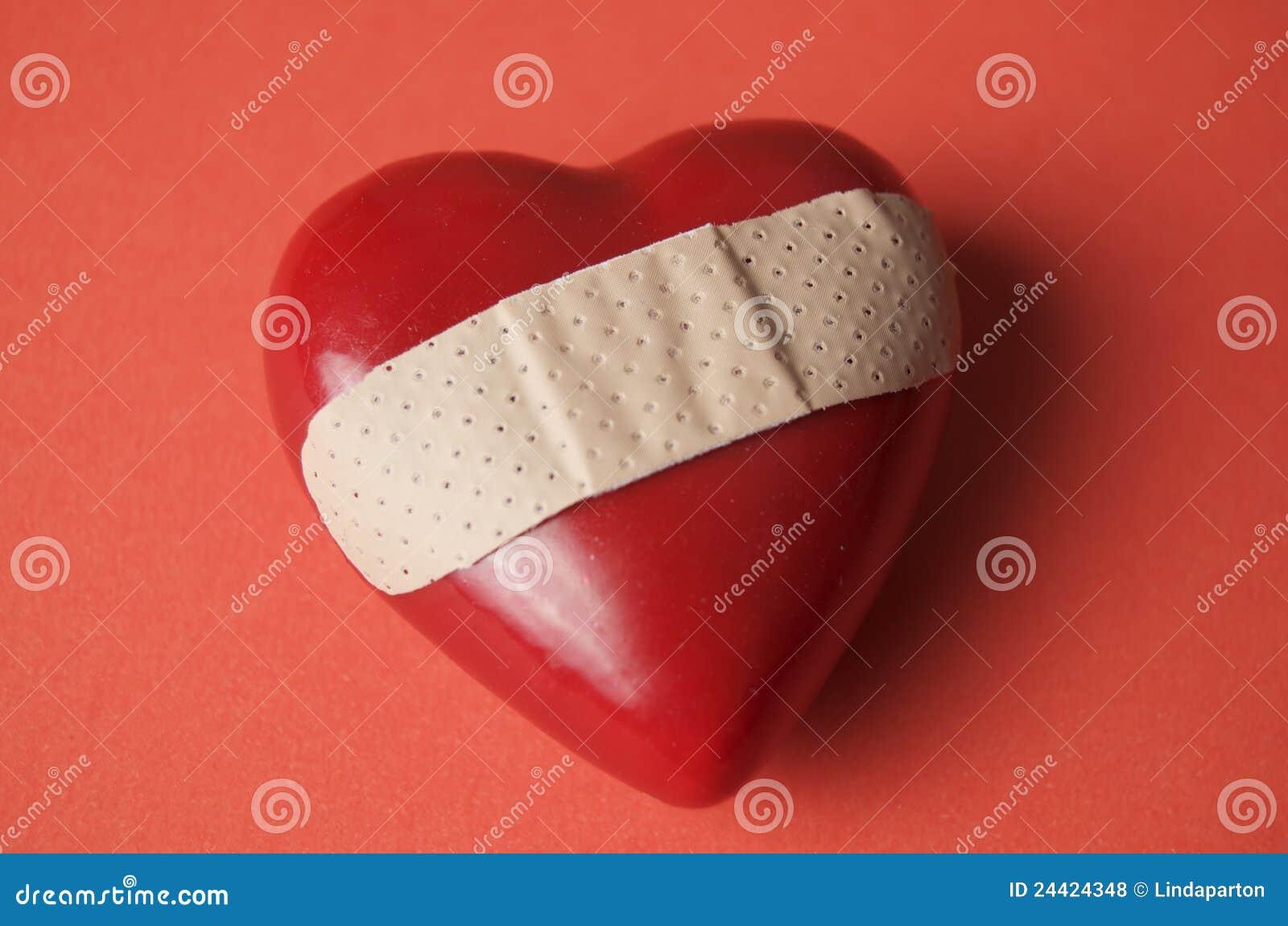Corazón roto en rojo