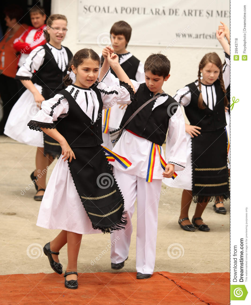Romanian People Clothing