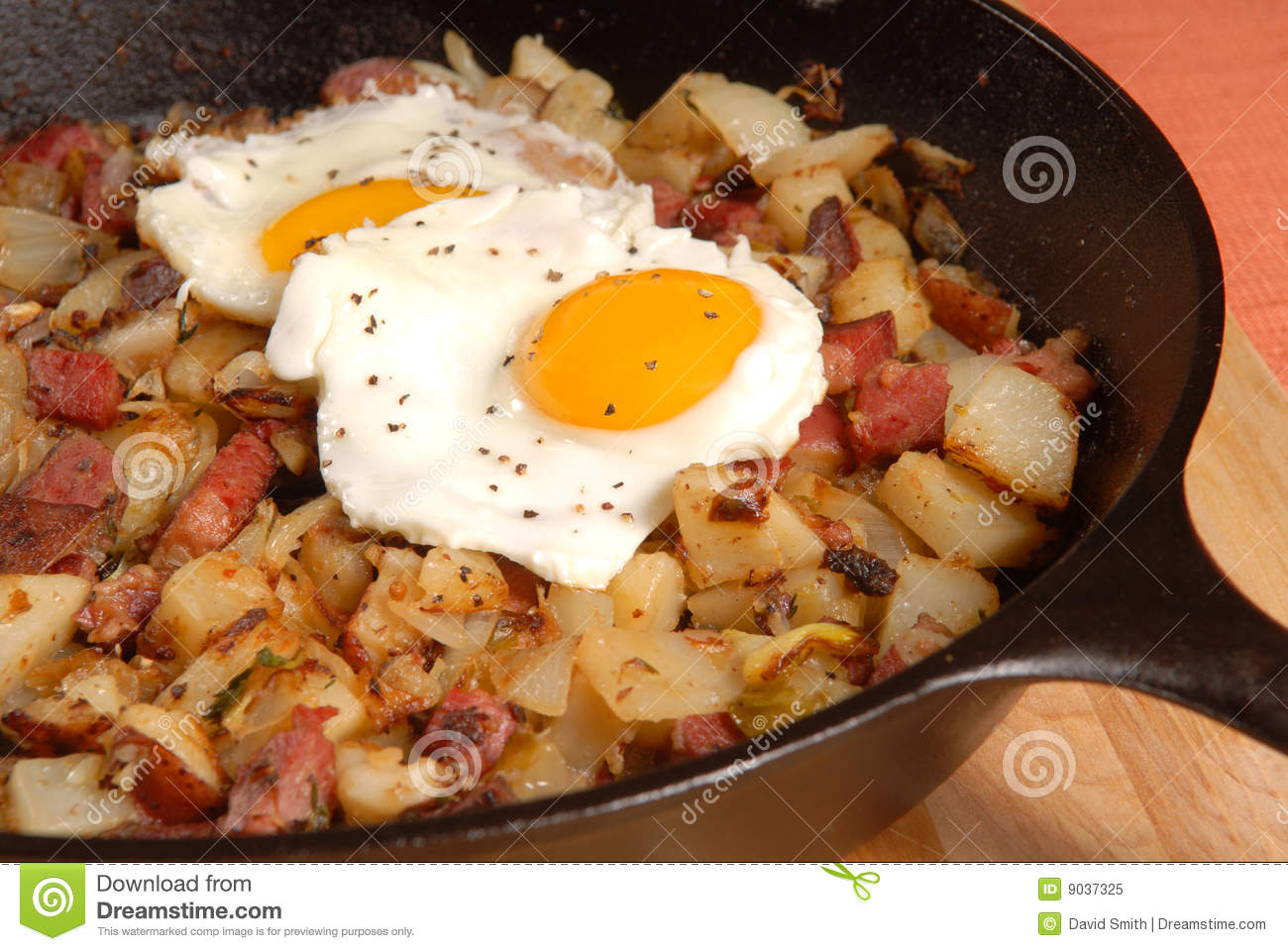 Corned Beef Hash And Egg Breakfast Royalty Free Stock Photo - Image ...