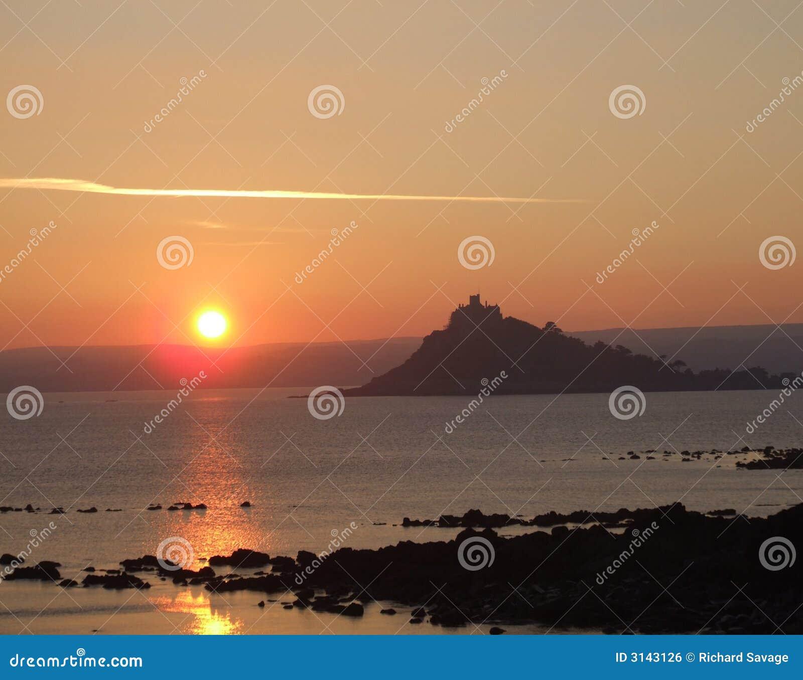 Cornwall над заходом солнца моря
