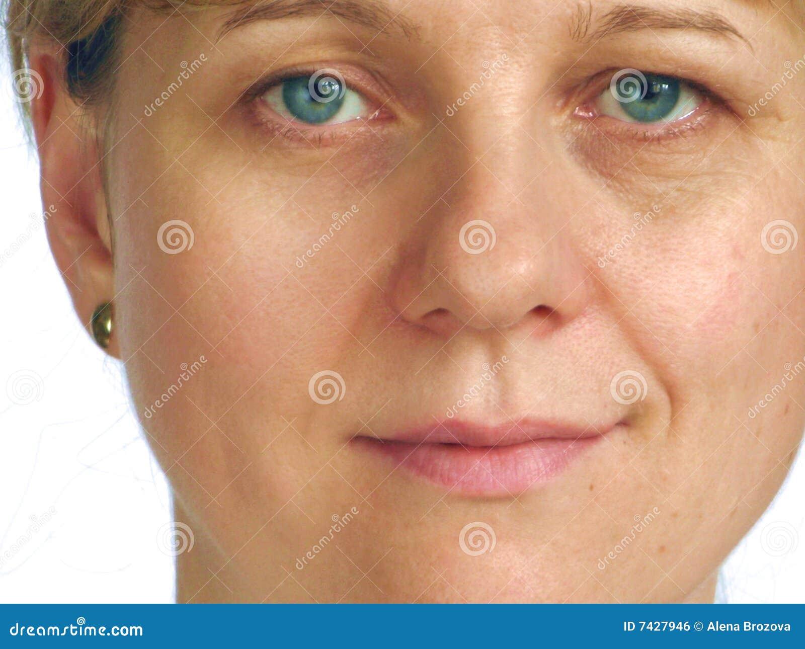 Correctie van rimpels op de helft van gezicht