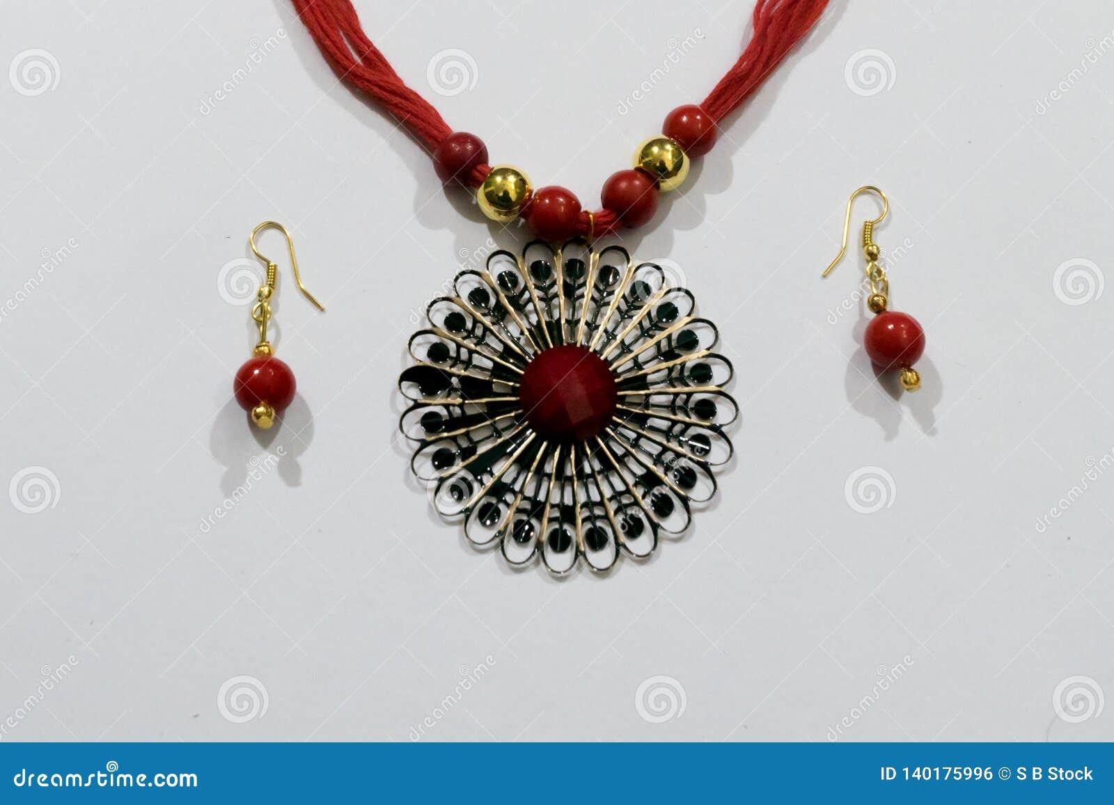 Corrente artificial indiana caseiro de Silk Thread Head do desenhista ou Maang Tikka ou bracelete clássico com coleção dos brinco