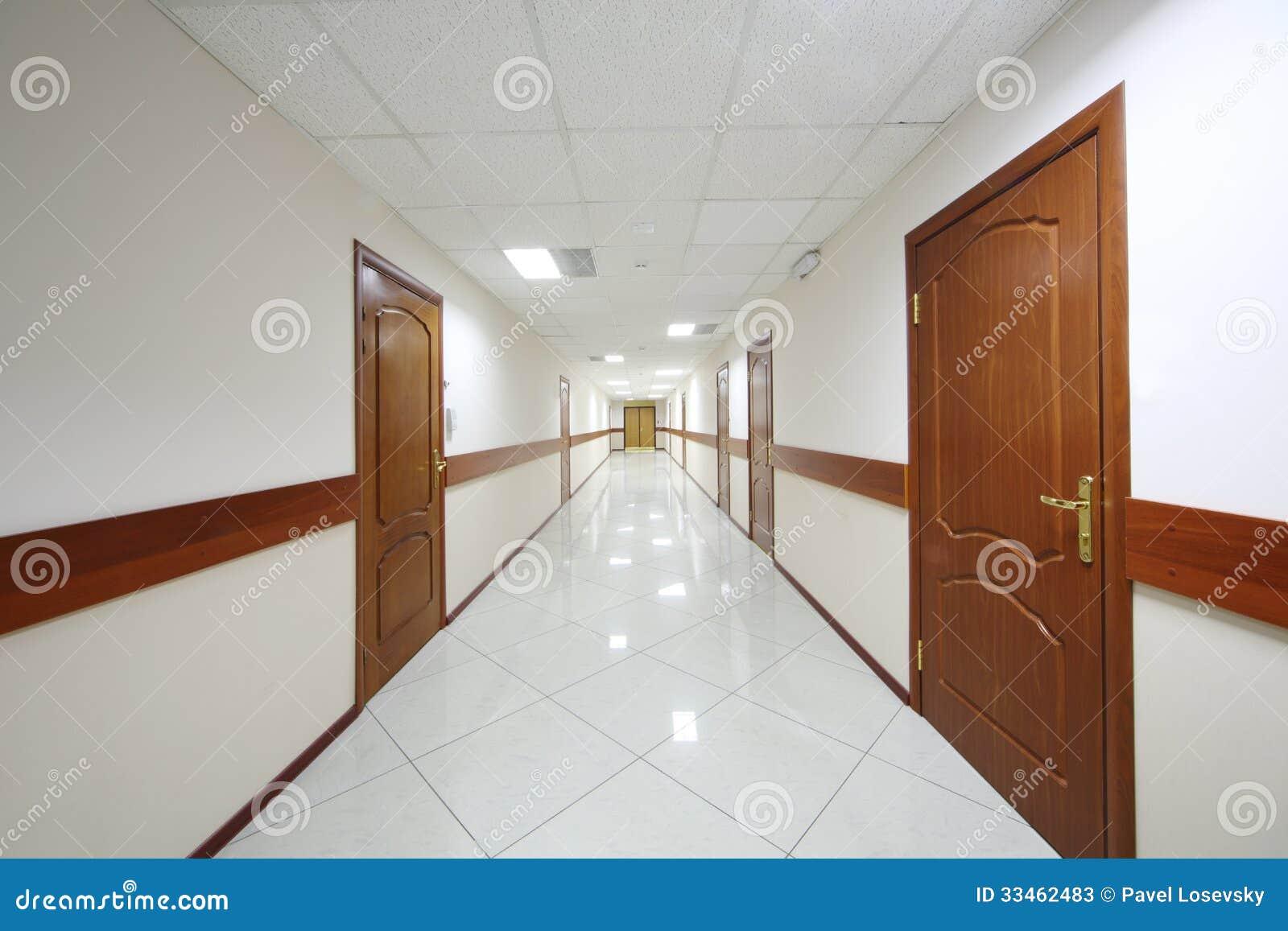 Corridoio Lungo E Stretto: Illuminazione controsoffitto corridoio ...