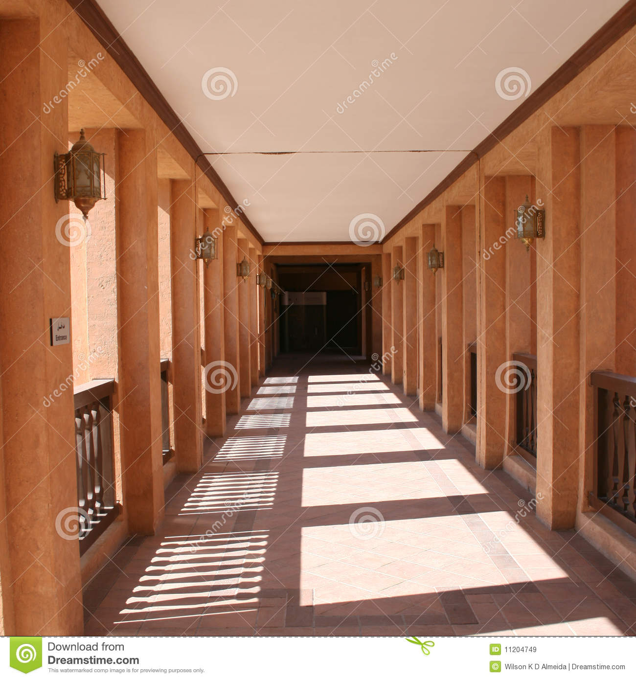 Download The Corridor Of Al Ain National Museum Stock Image - Image of attraction, round: 11204749