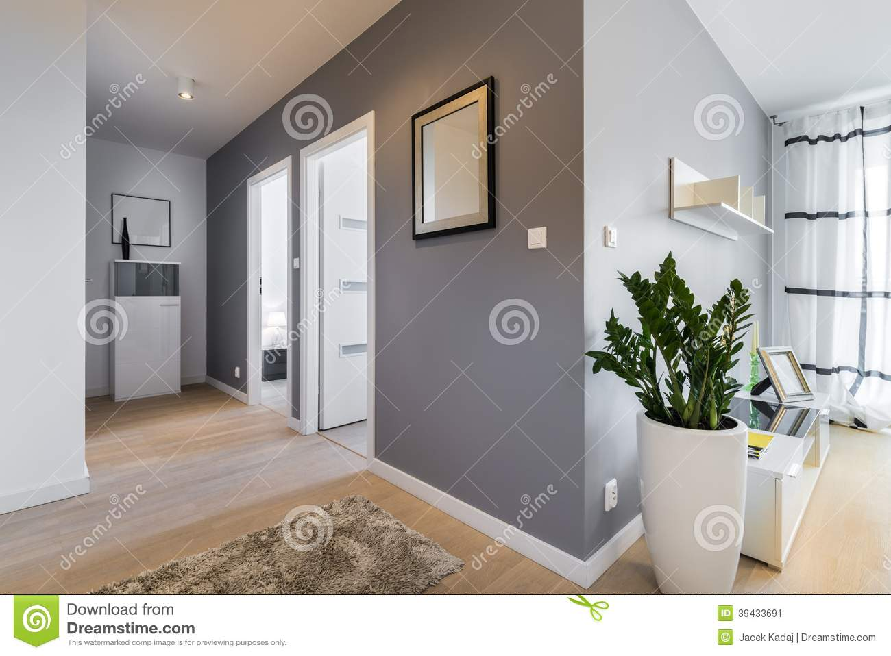 Corridor in modern apartment stock image image 39433691 - Peinture couloir long ...