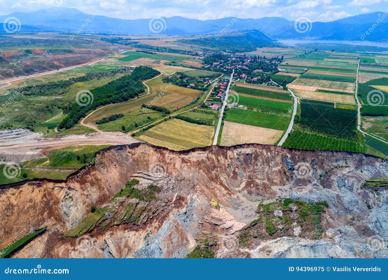Corrimento na mina do lignite de Amyntaio