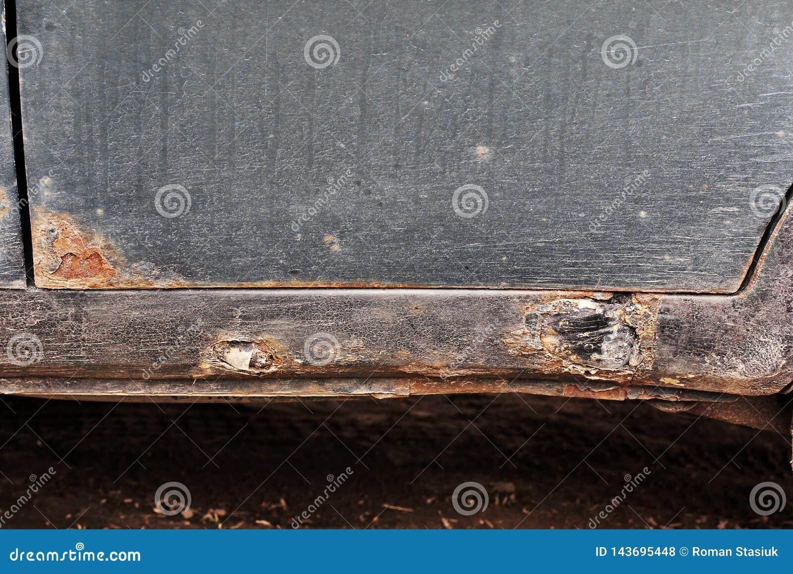 Corrosión en el coche viejo