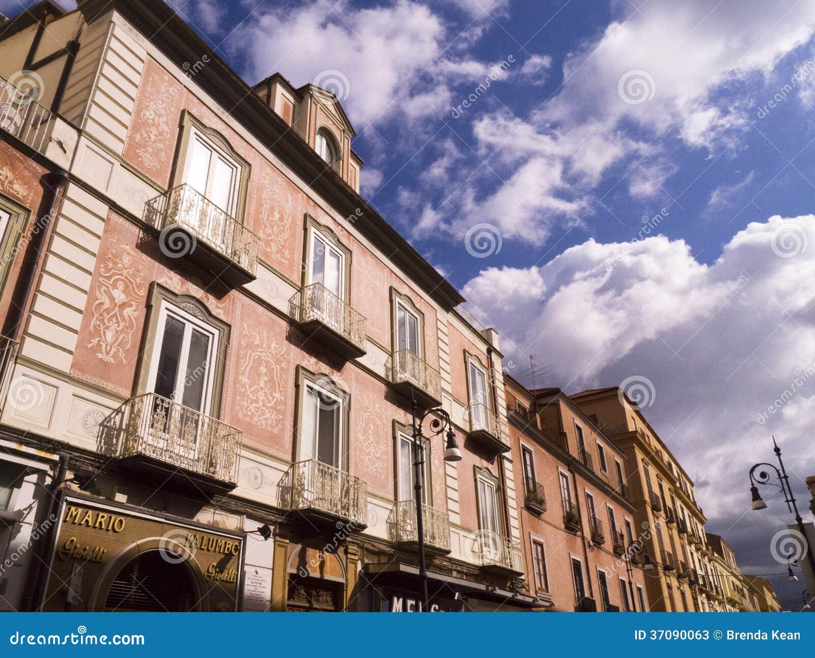 Download Corsa Italia W Sorrento Włochy Zdjęcie Stock Editorial - Obraz złożonej z drewno, markietaż: 37090063