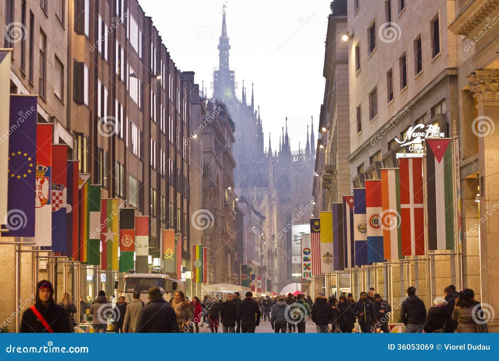 Corso vittorio emanuele in milan editorial stock image for Corso arredatore d interni milano