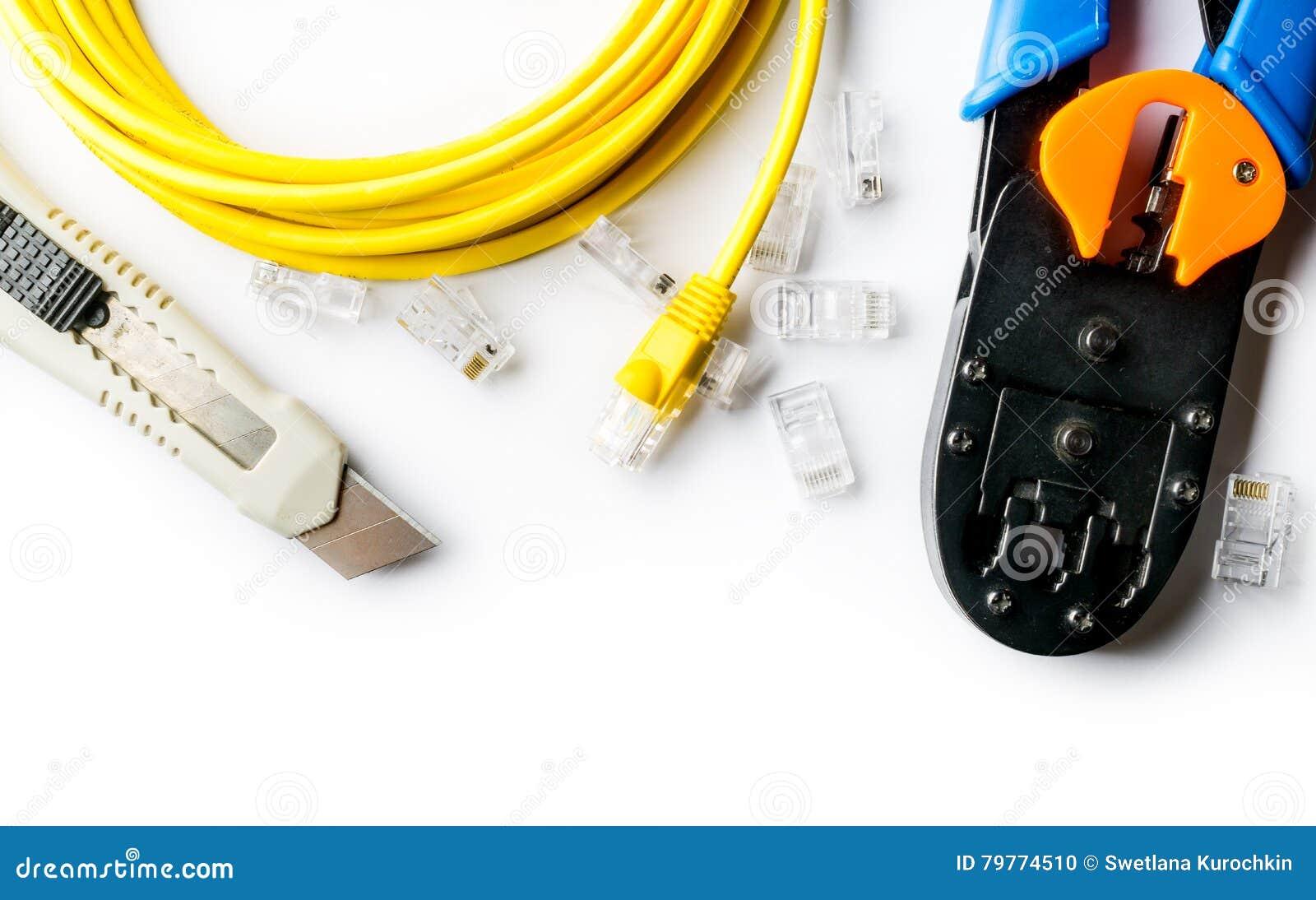 Cortador, arrugador, cordón de remiendo amarillo y conectores