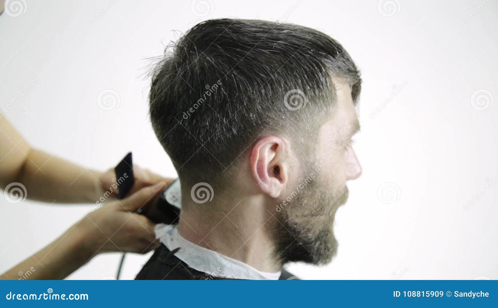 Corte de pelo para hombres tijera