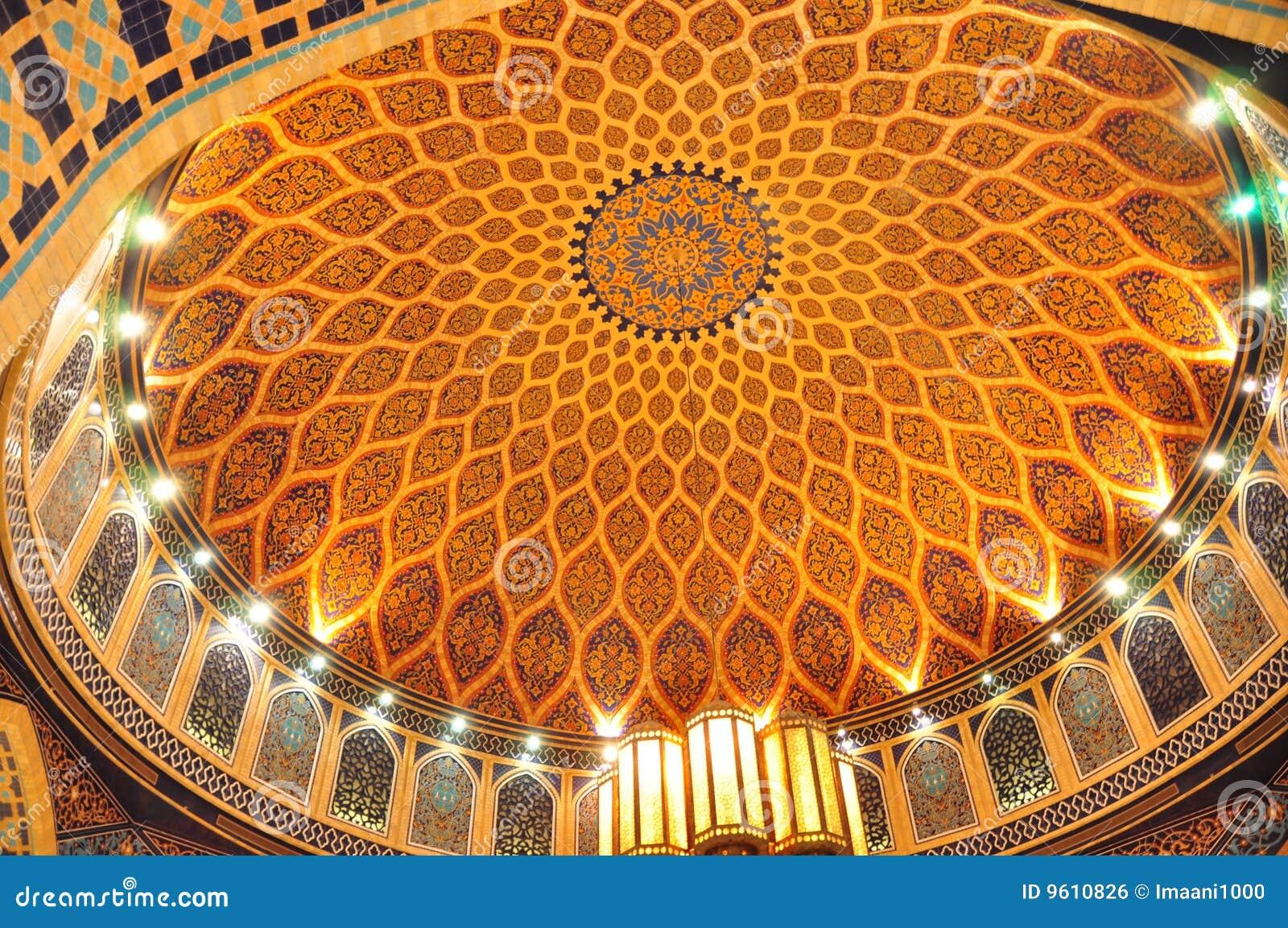 Corte Dome2 di Ibn Battuta Persia