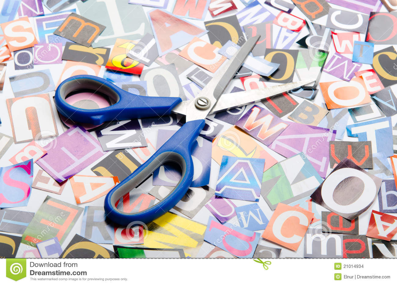 Corte las cartas de los periódicos