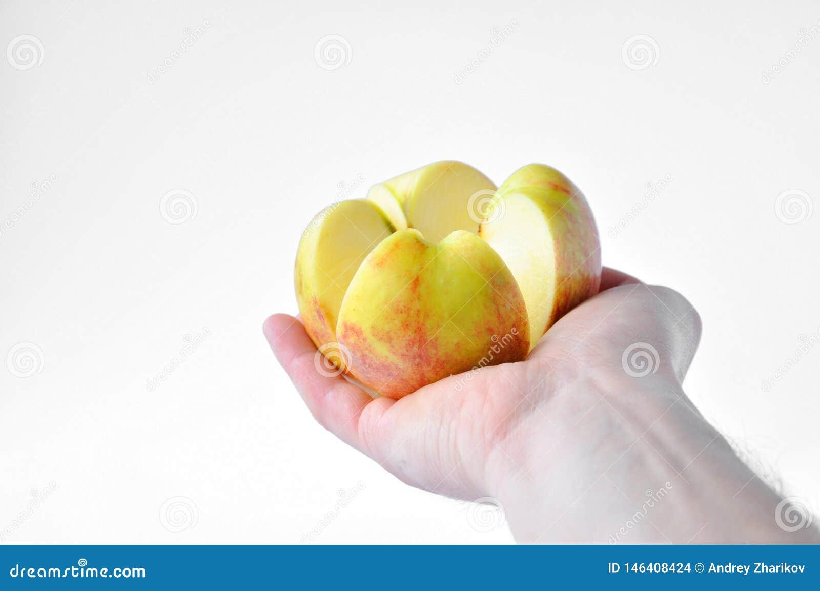Corte a maçã à disposição