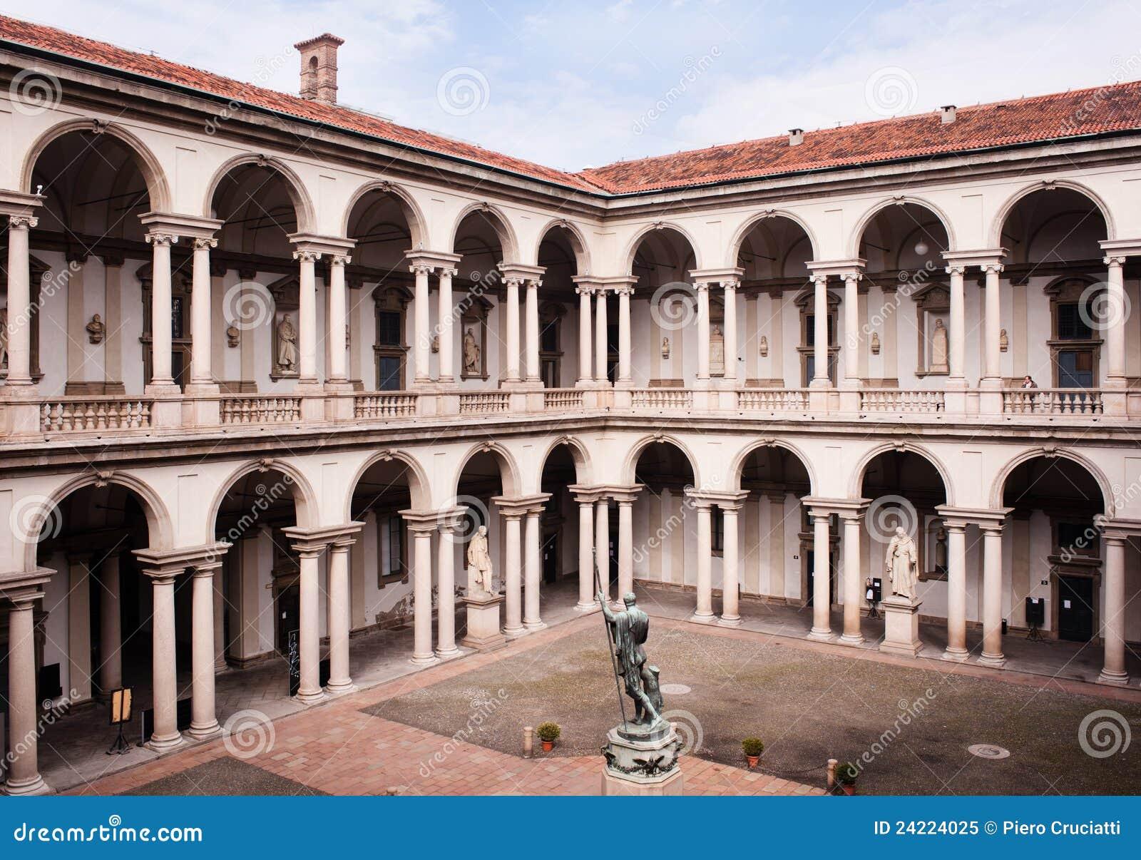 Cortile del palazzo di brera a milano immagine editoriale for Accademia di brera