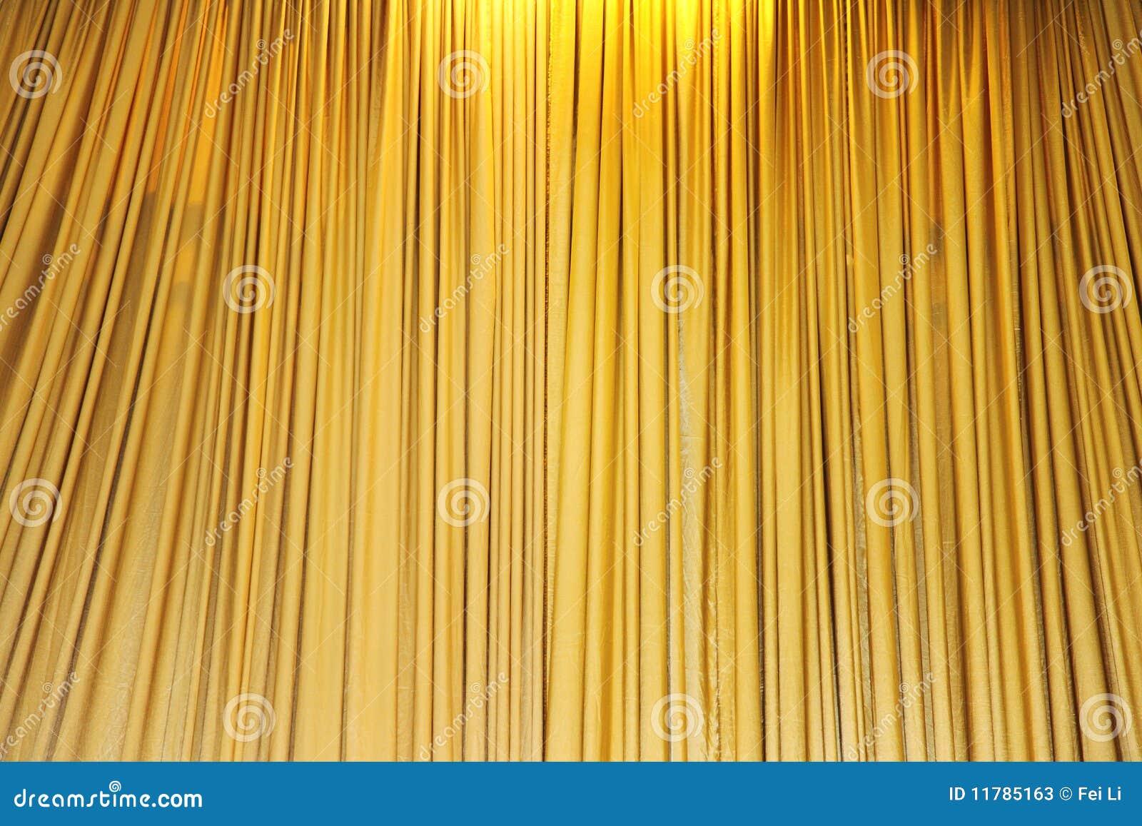 Cortinas amarillas del teatro del terciopelo fotos de for Cortinas amarillas
