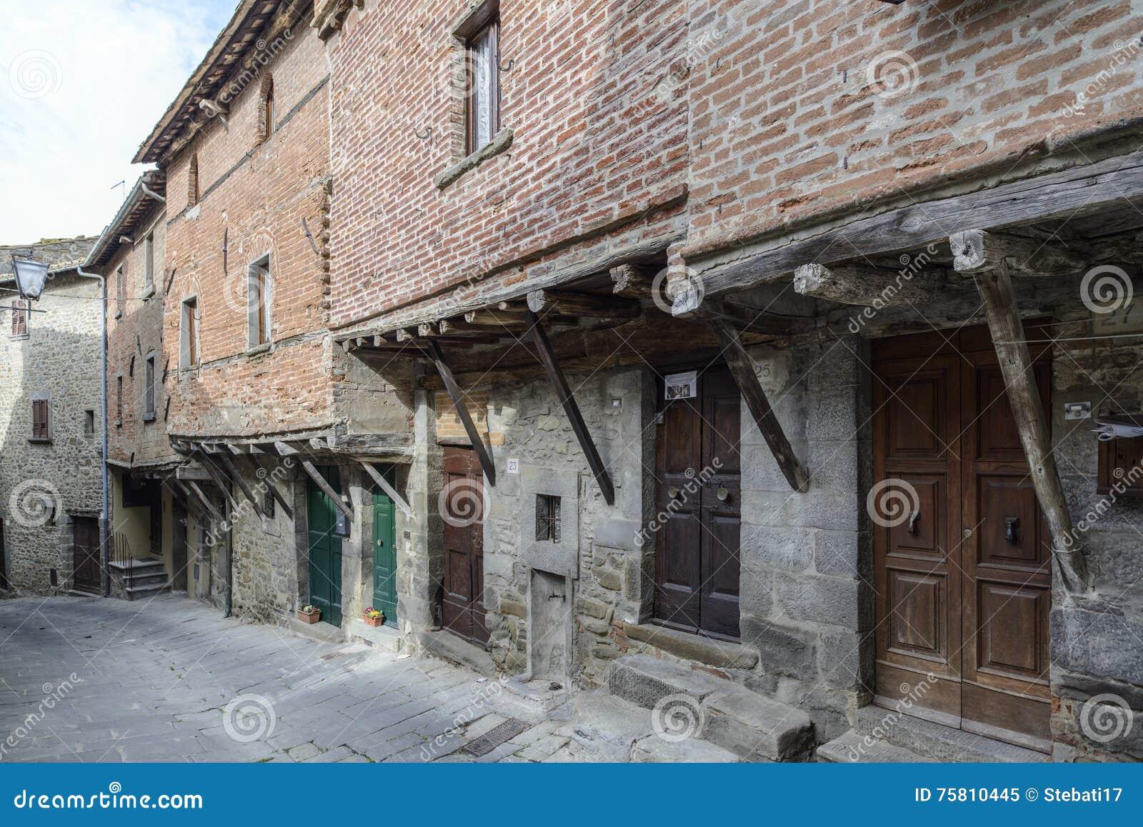 Case Toscane Arezzo : Case di arezzo fotografia stock. immagine di italiano 46522074