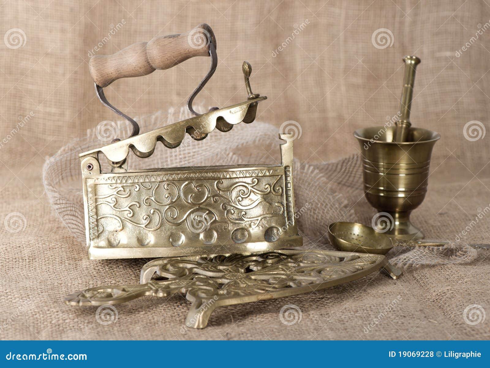 Cosas antiguas en fondo de la arpillera fotos de archivo - Fotos antiguas de macael ...